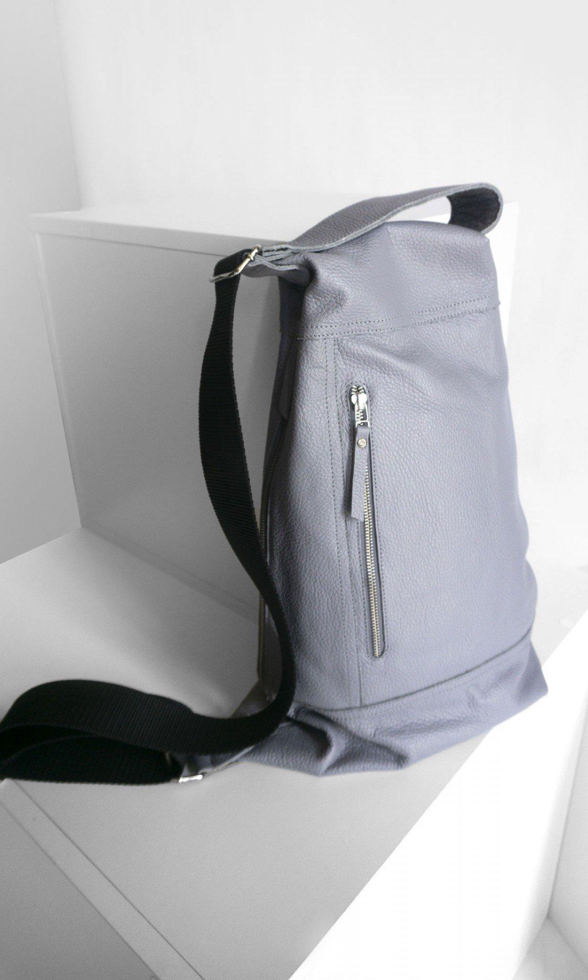 Extravagant crossbody backpack A90526