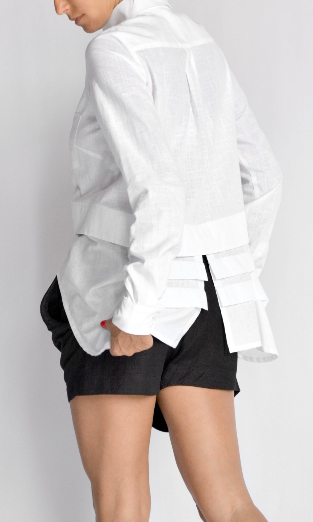 Short Extravagant Linen Shirt A90524