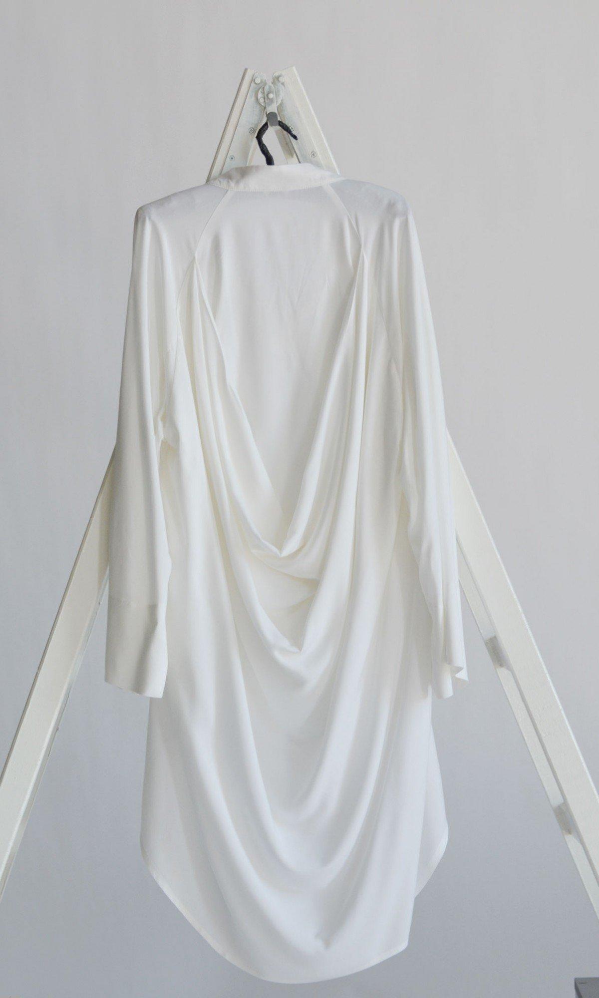 Limited edition Extravagant V Neck Broad Shirt A90550