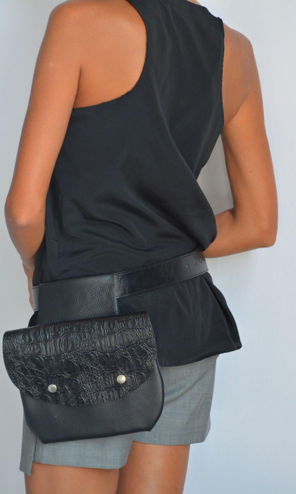 Extravagant Croc Pattern Leather Belt Bag A90552