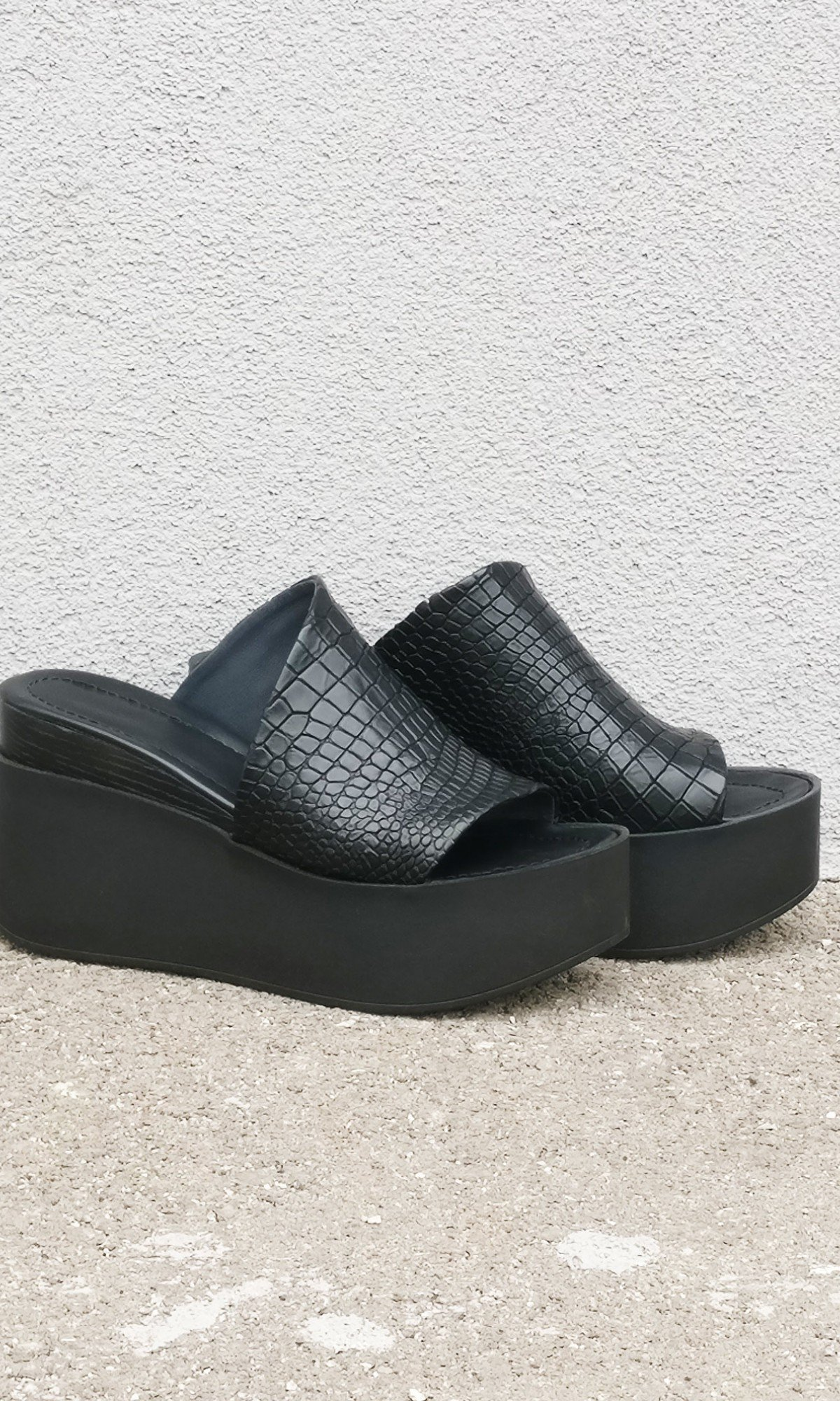 Croco leather Platform Sandals A26824