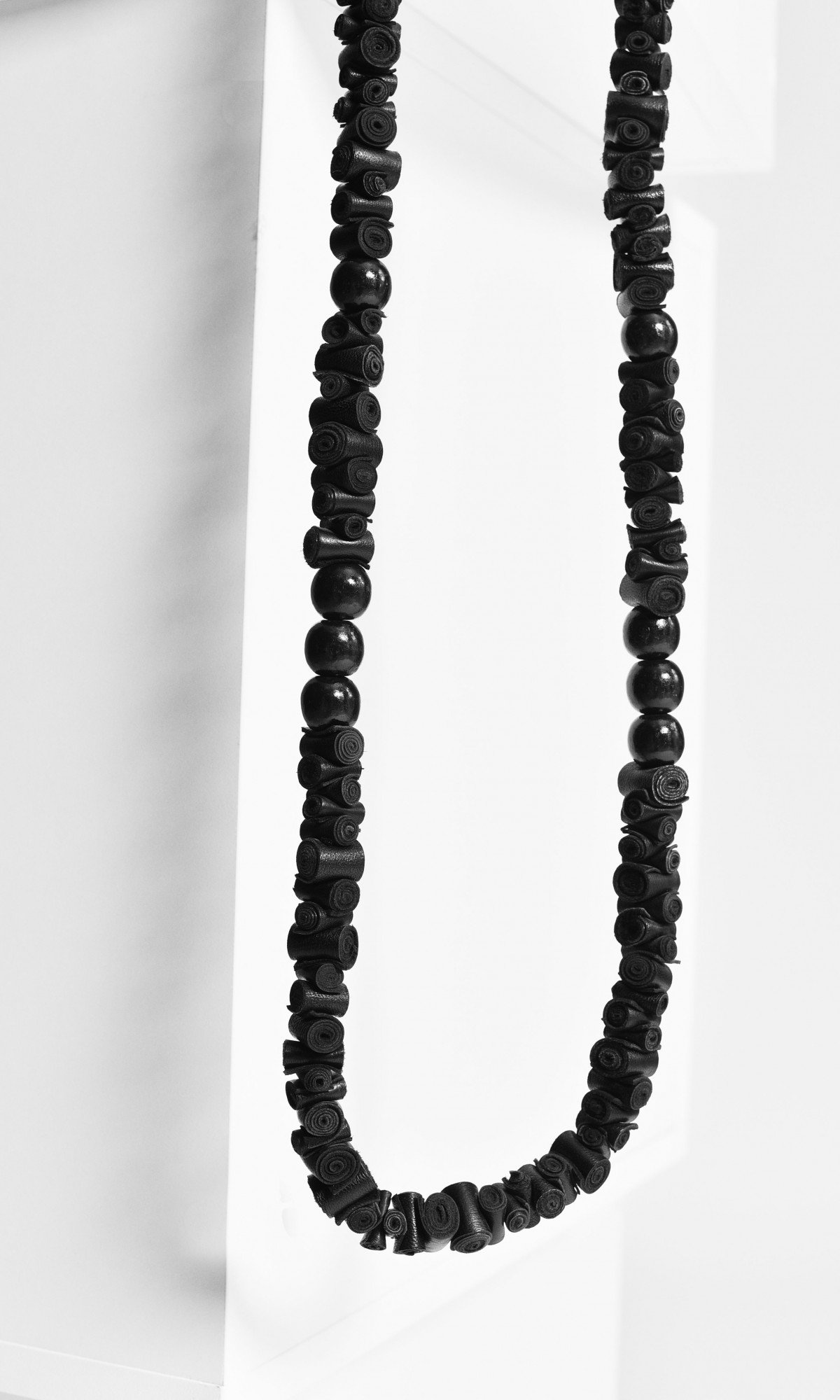 Extravagant Long Black Genuine Leather Necklace A16862