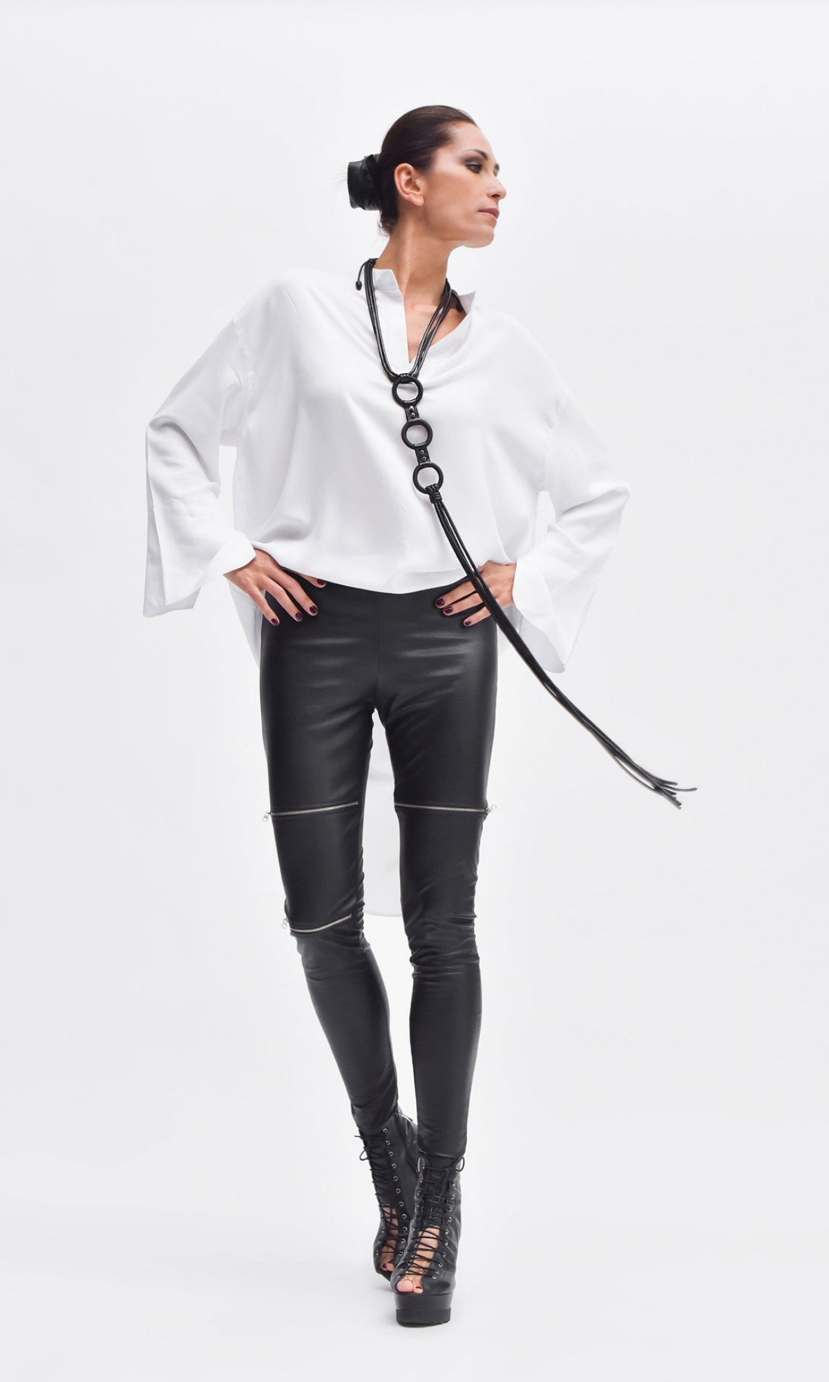 Extravagant Long Leather circles Necklace A90546