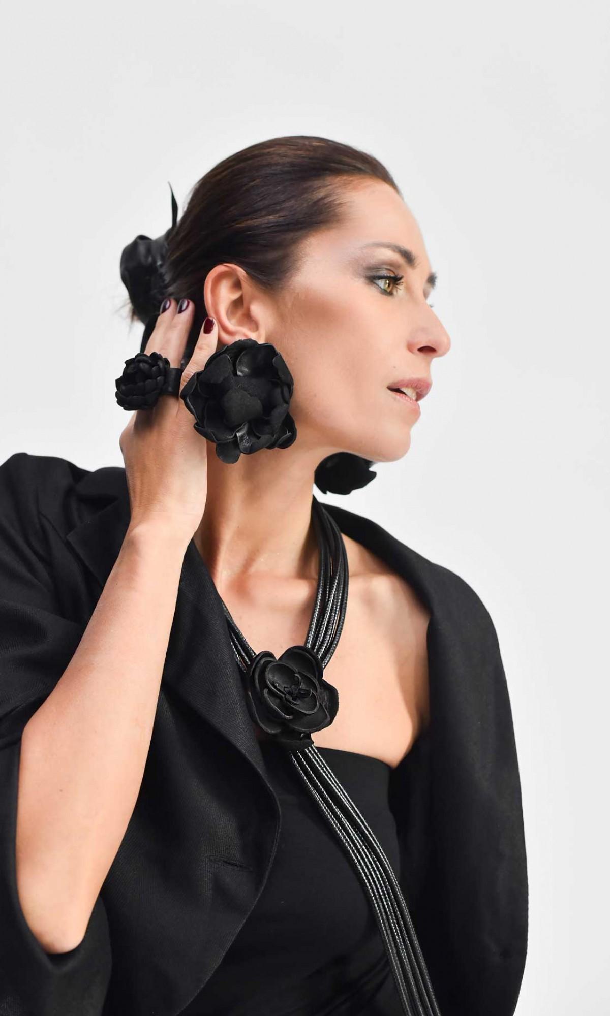 Beautiful Leather Rose Pendants Earrings A29796