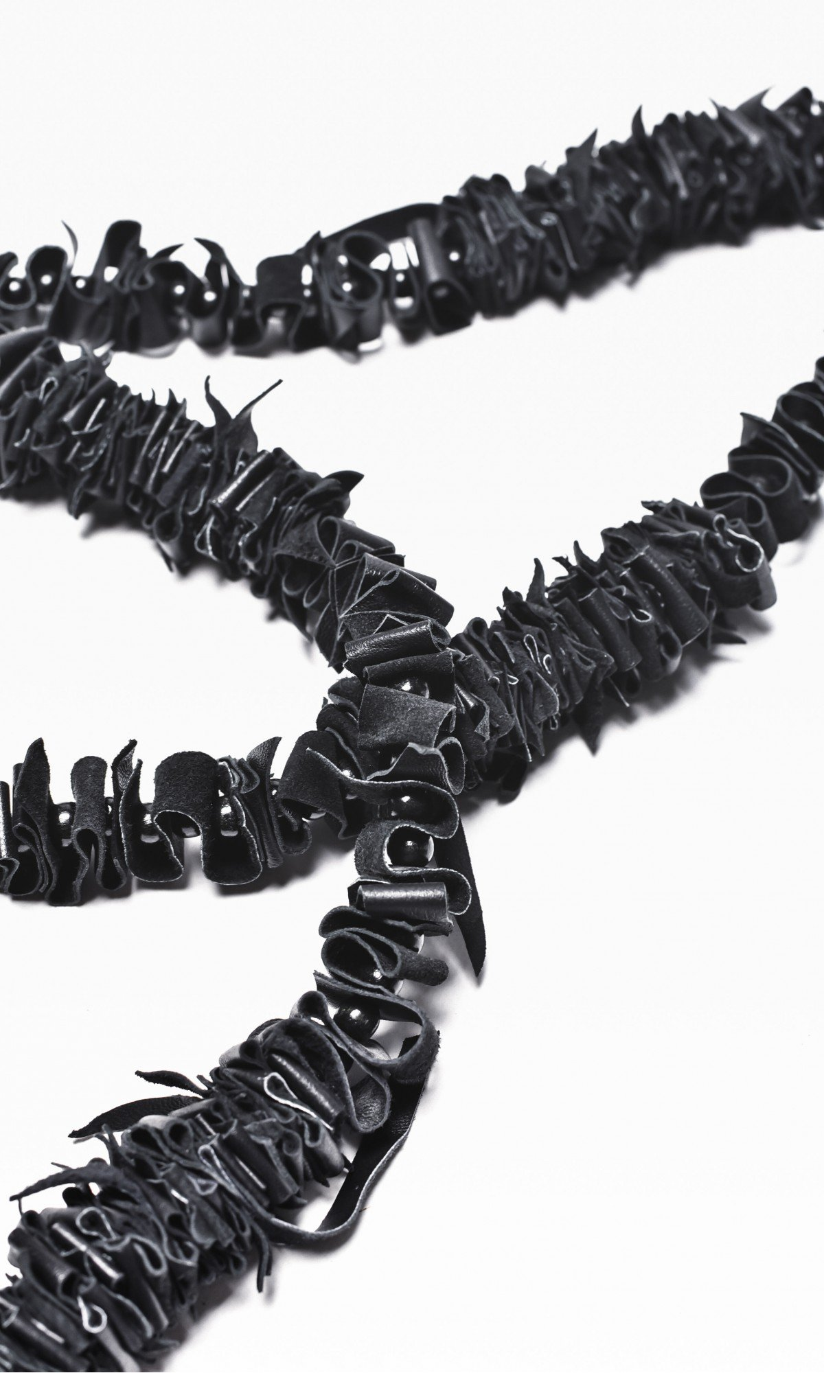 Extravagant Long Black Genuine Leather Necklace A16325