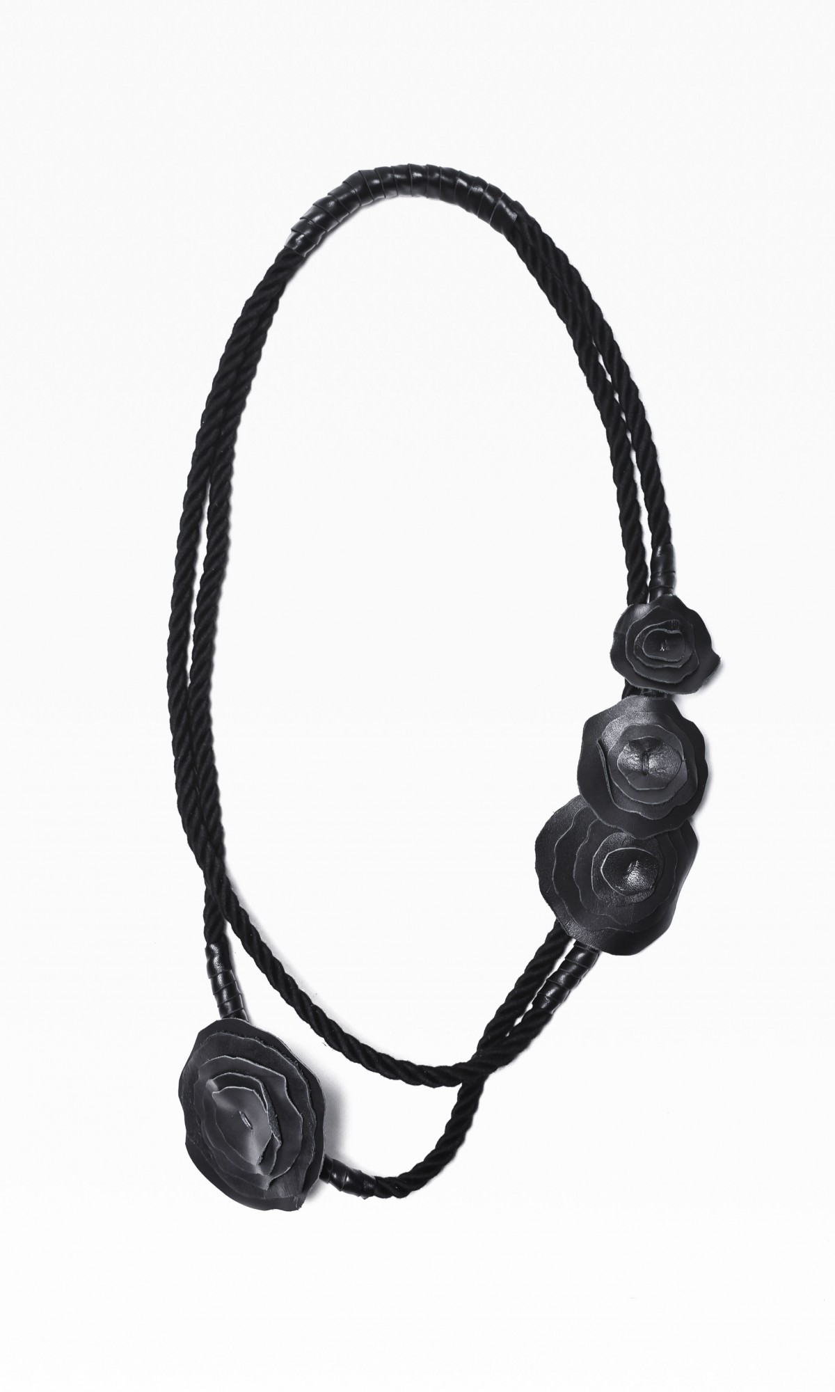 Extravagant Black Rope and Genuine Leather Roses Necklace