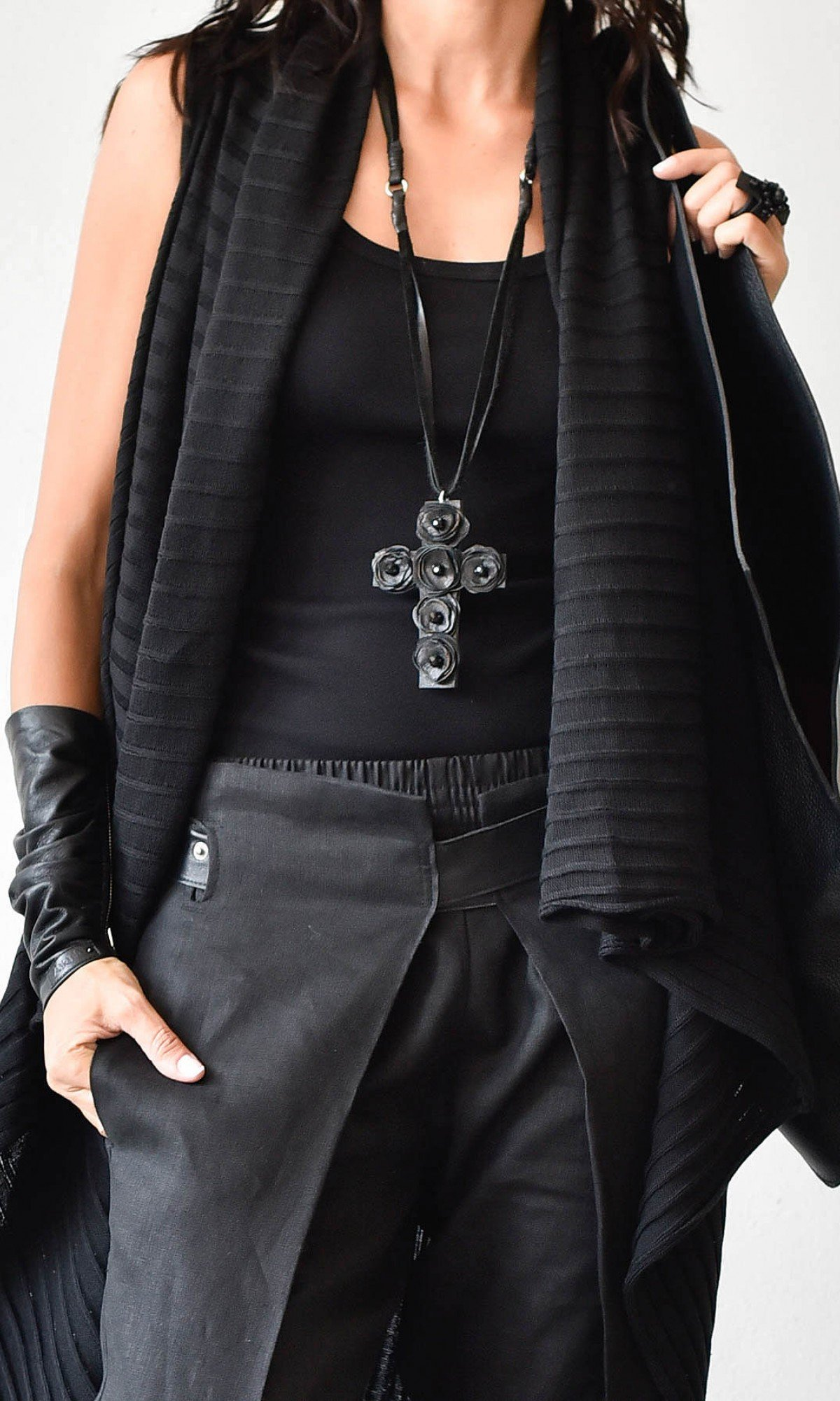 Trendy Leather rose cross pendant necklace A90321