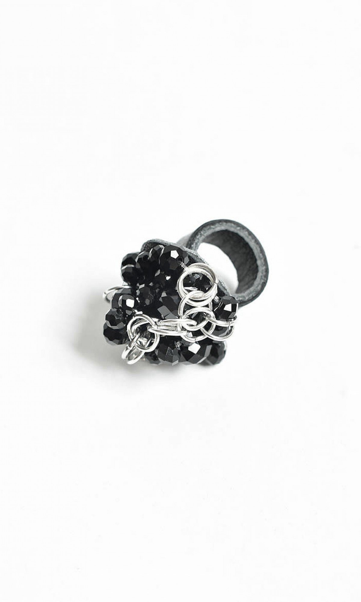 Elegant Beaded Leather Ring A90363