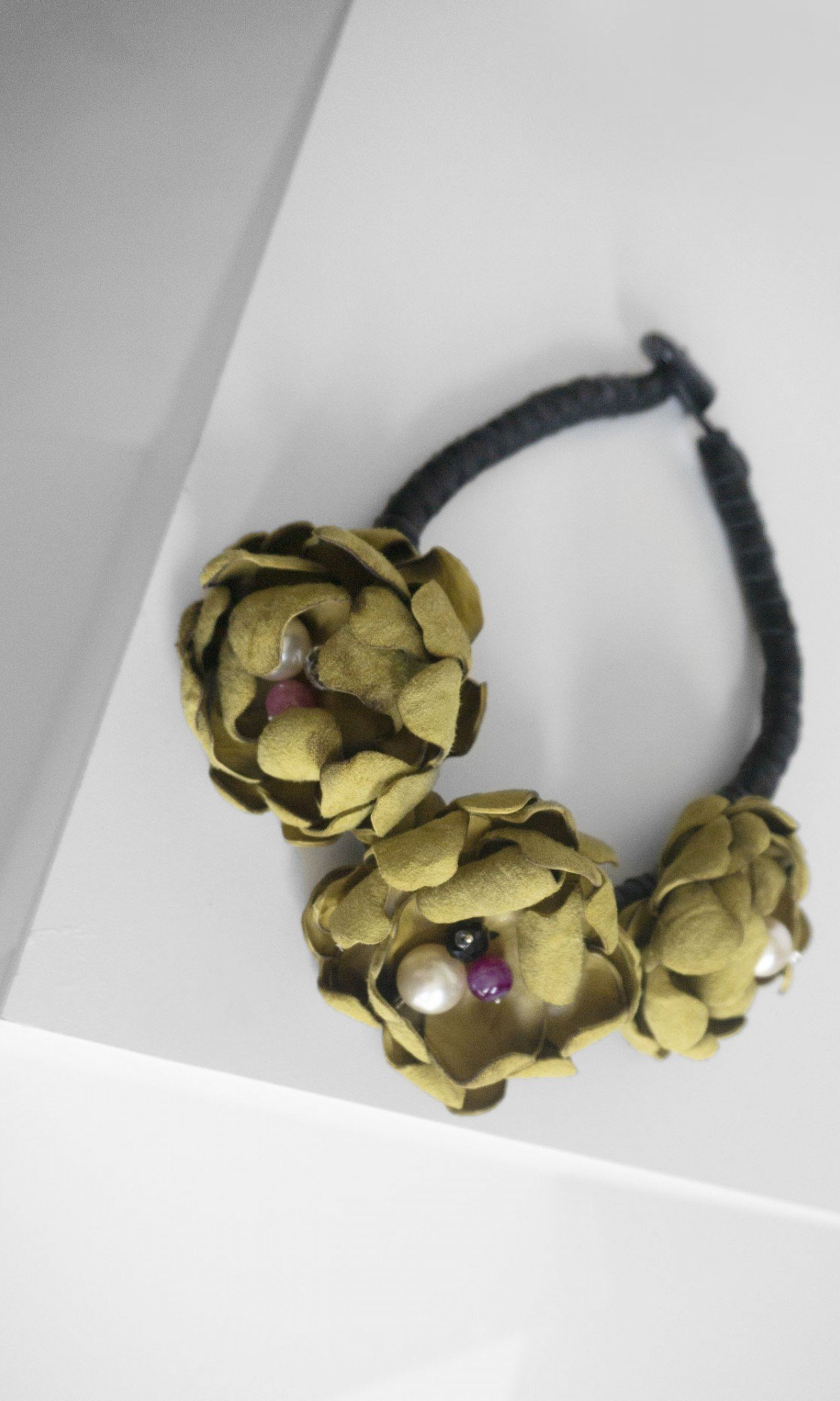 Beautiful Flower Necklace A90555