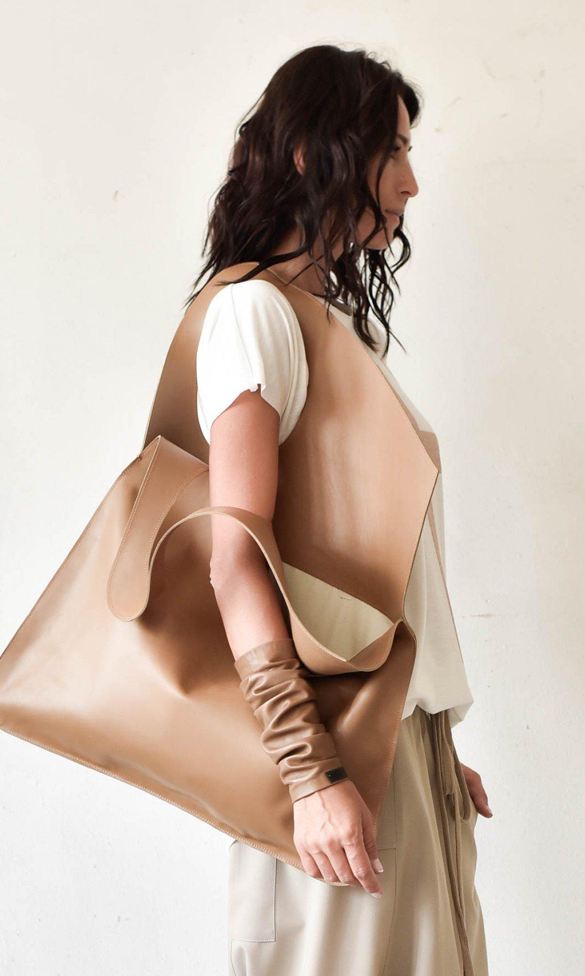 Large Extravagant Caramel Mocha genuine leather Bag A14176
