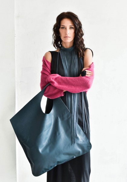 Large Extravagant Navy Genuine Leather Bag A14176