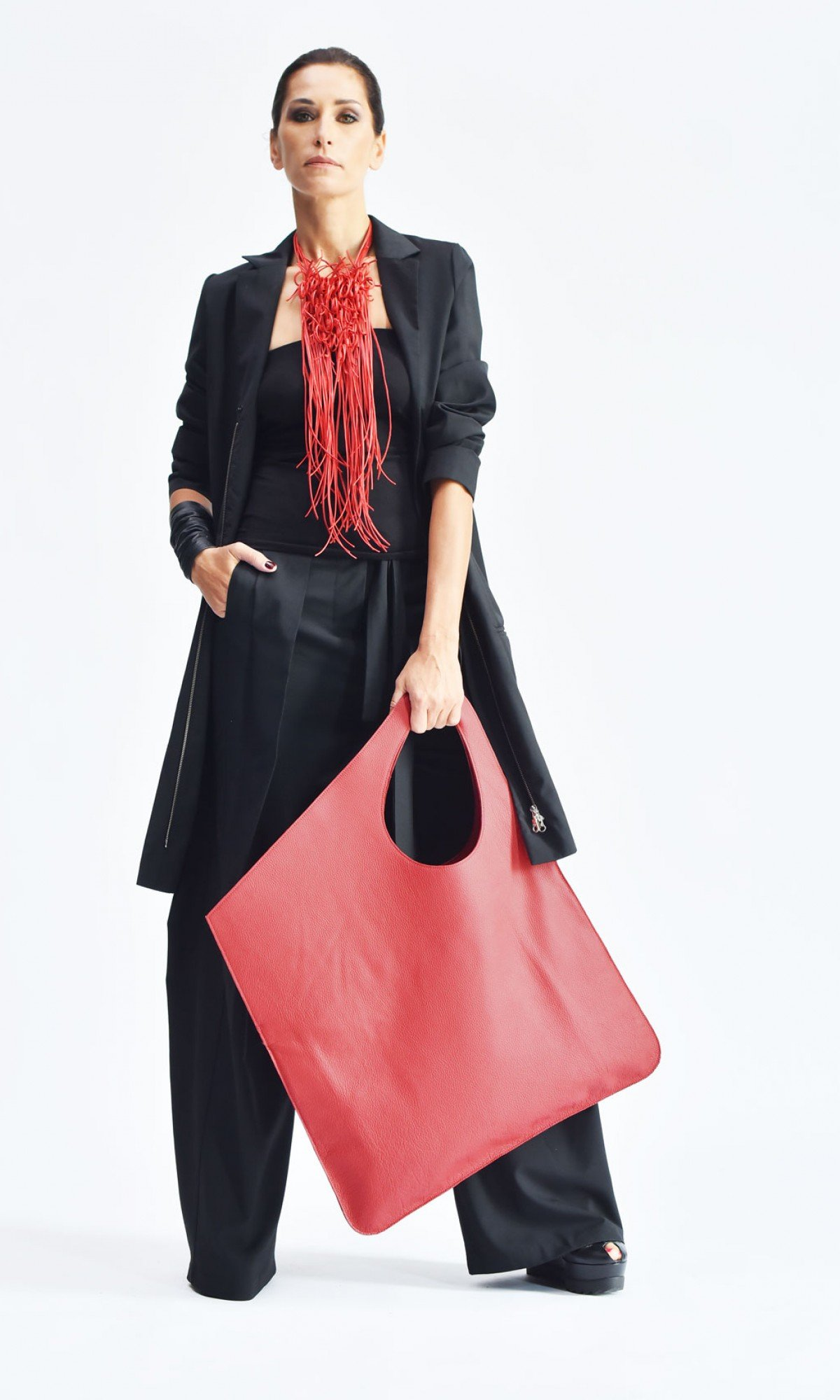 Large Extravagant Leather Bag A14176