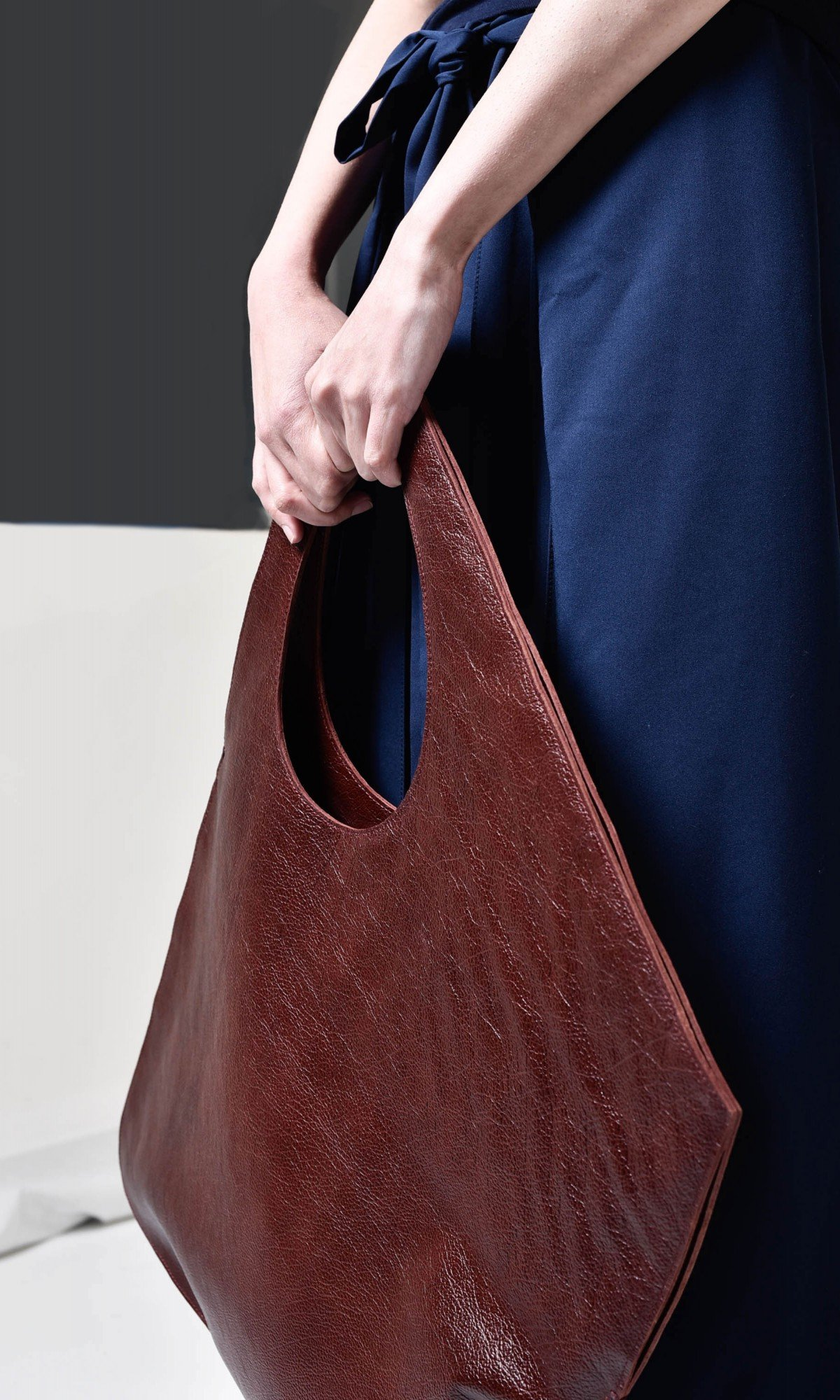 Large Extravagant Dark Burgundy genuine leather Bag A14176