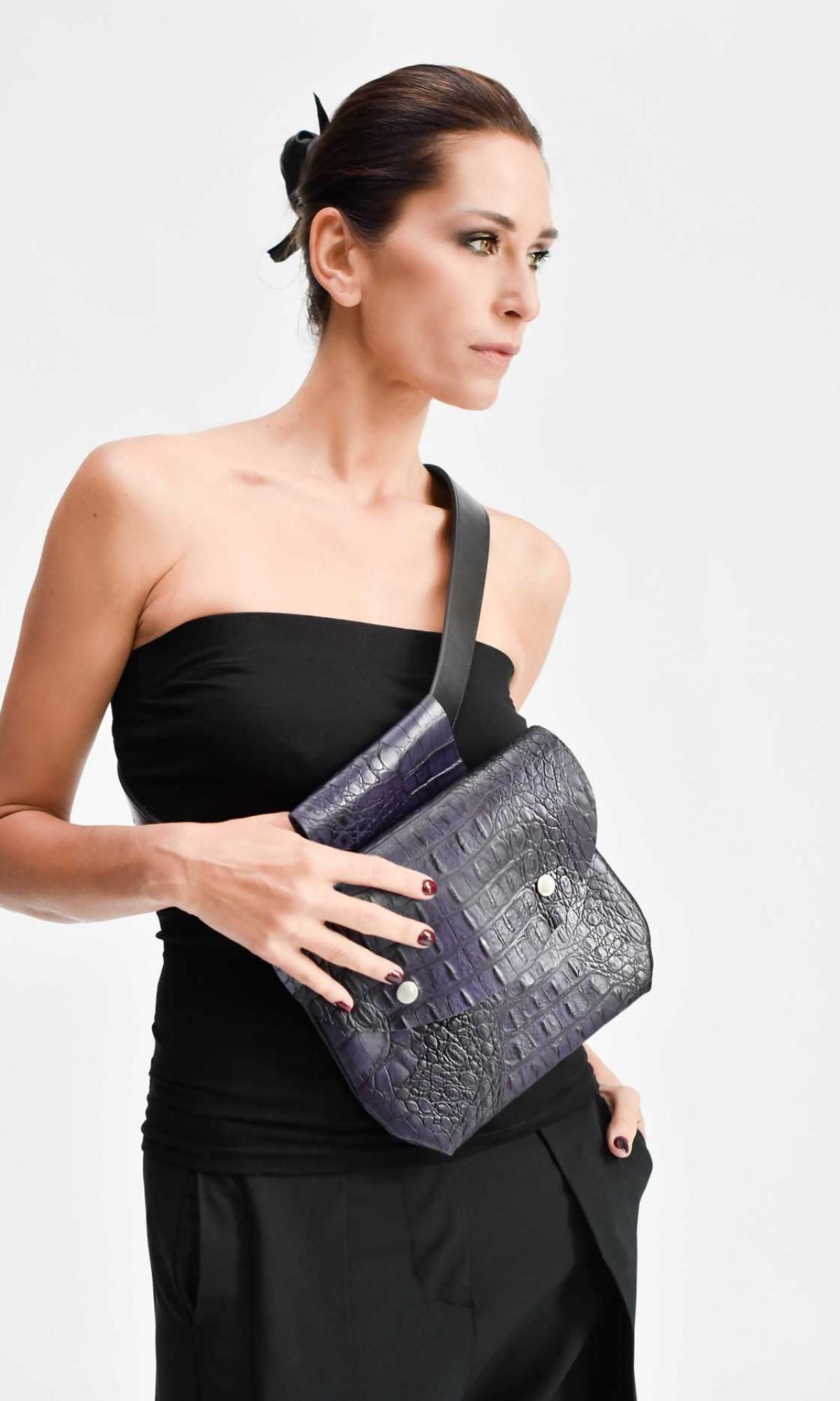 Extravagant Croc Pattern Leather Belt Bag A90439