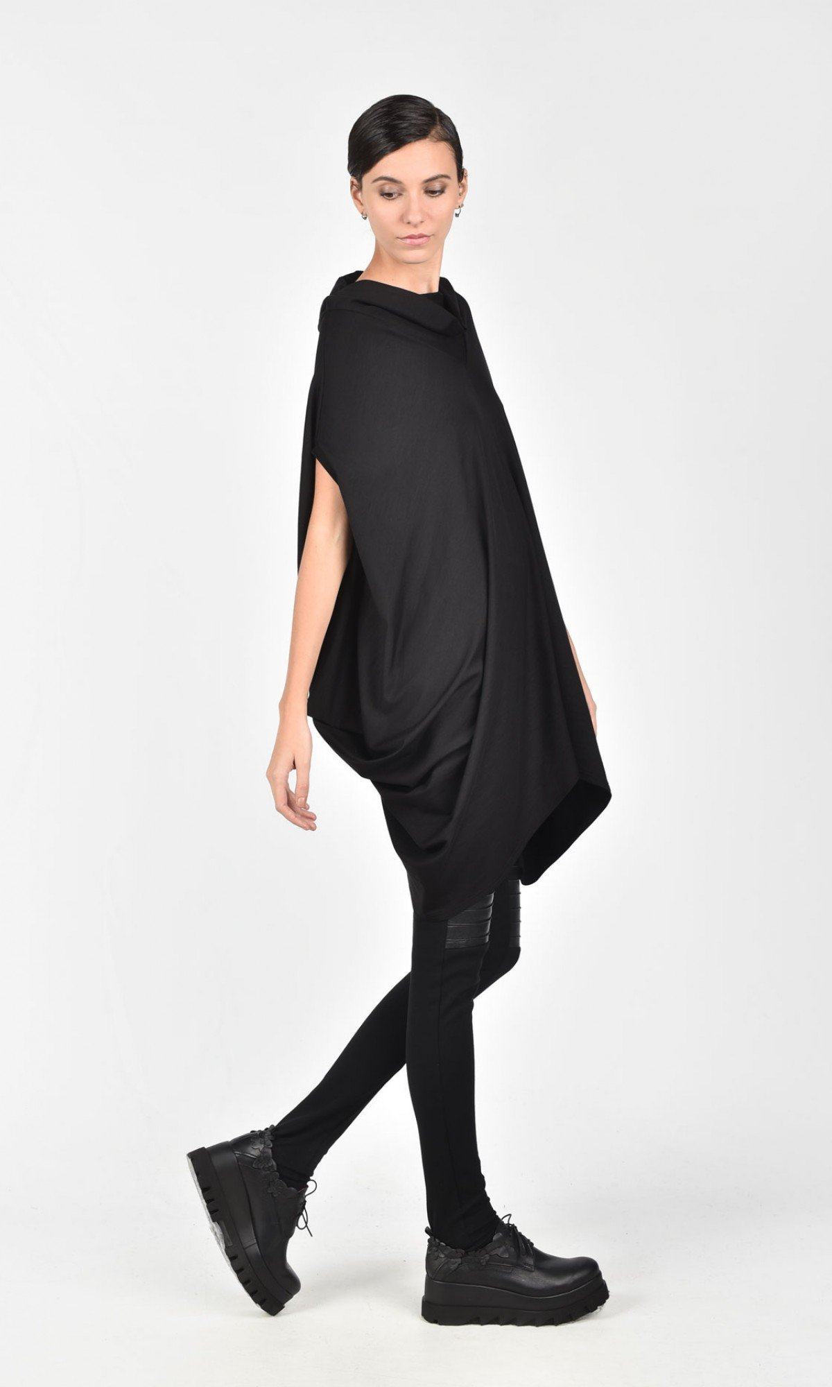 Loose Asymmetrical Black Top A12072
