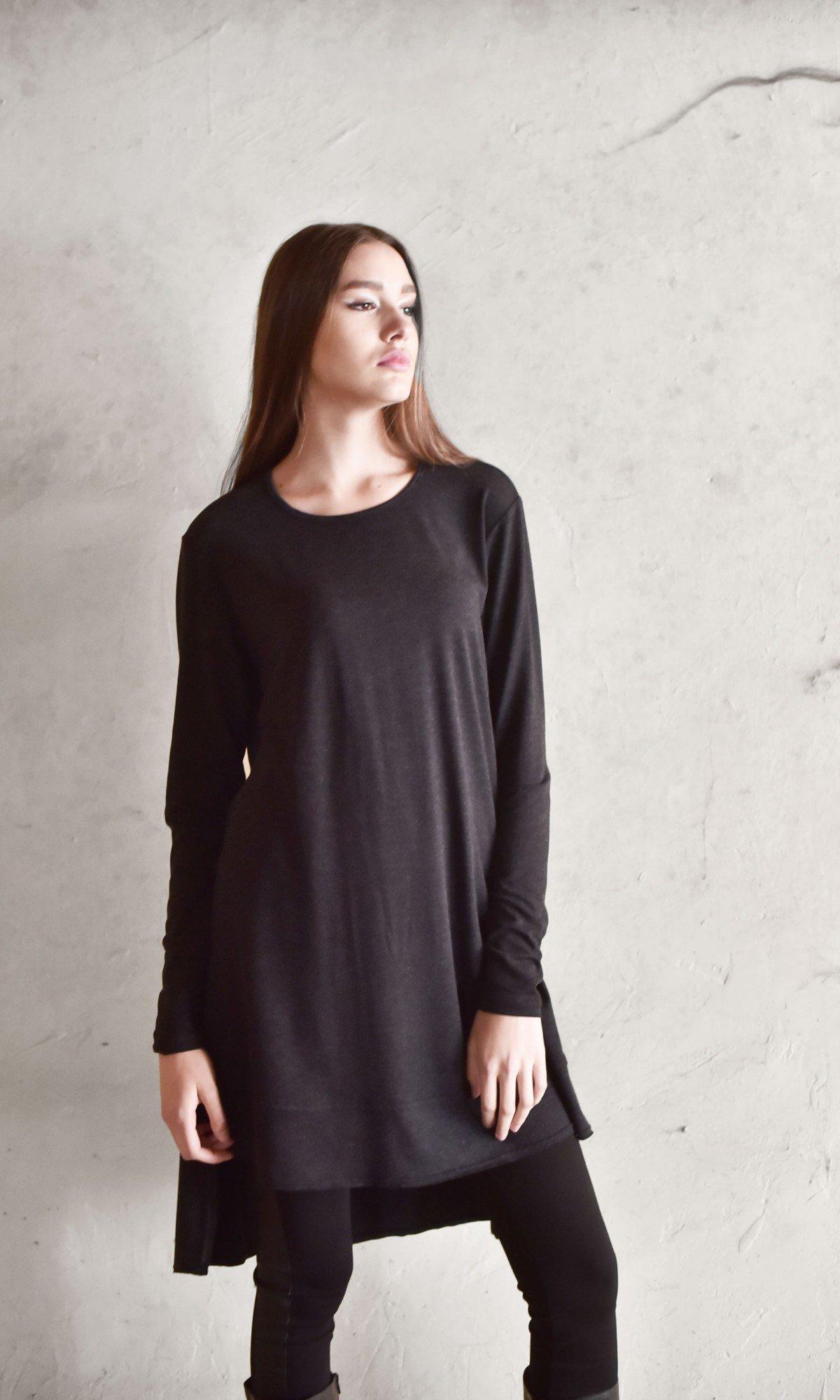 Casual Longer-back blouse A90174