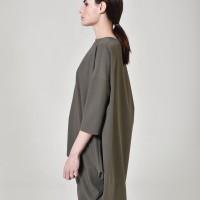 Asymmetric cut off blouse A90273
