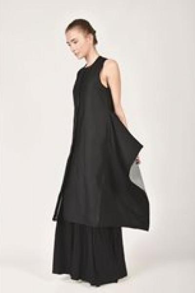 Sleeveless Lined Coat A02529