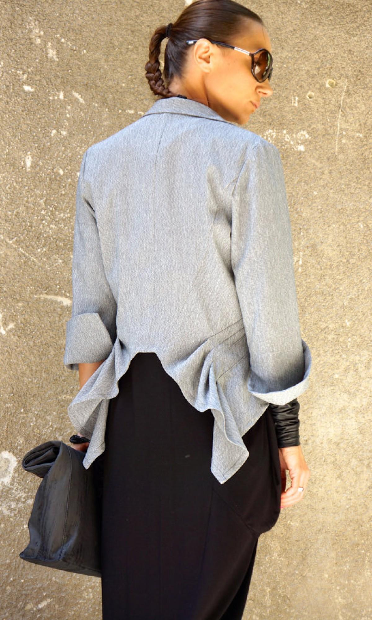 Extravagant Asymmetrical Buttoned Blazer A10230M