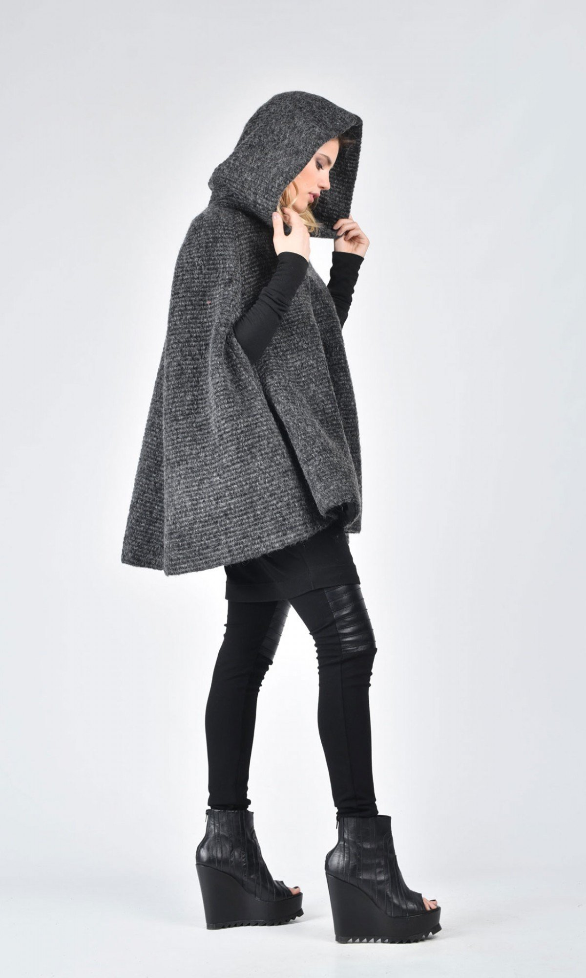 Extravagant Winter Cape Coat A07573