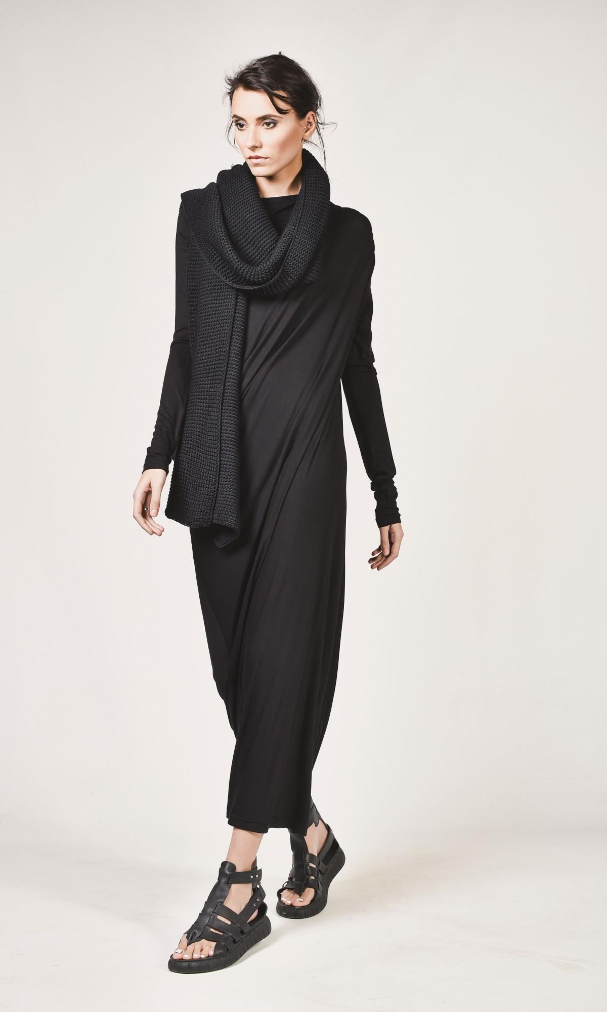Black Extravagant Maxi Dress A03257