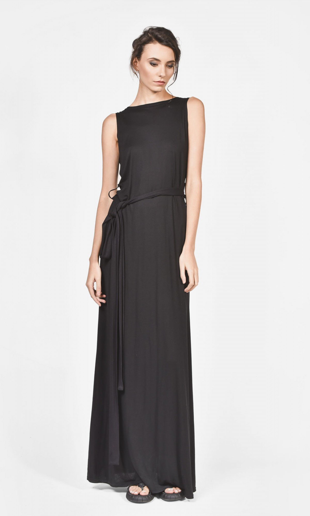 Stunning Bare back dress A90035