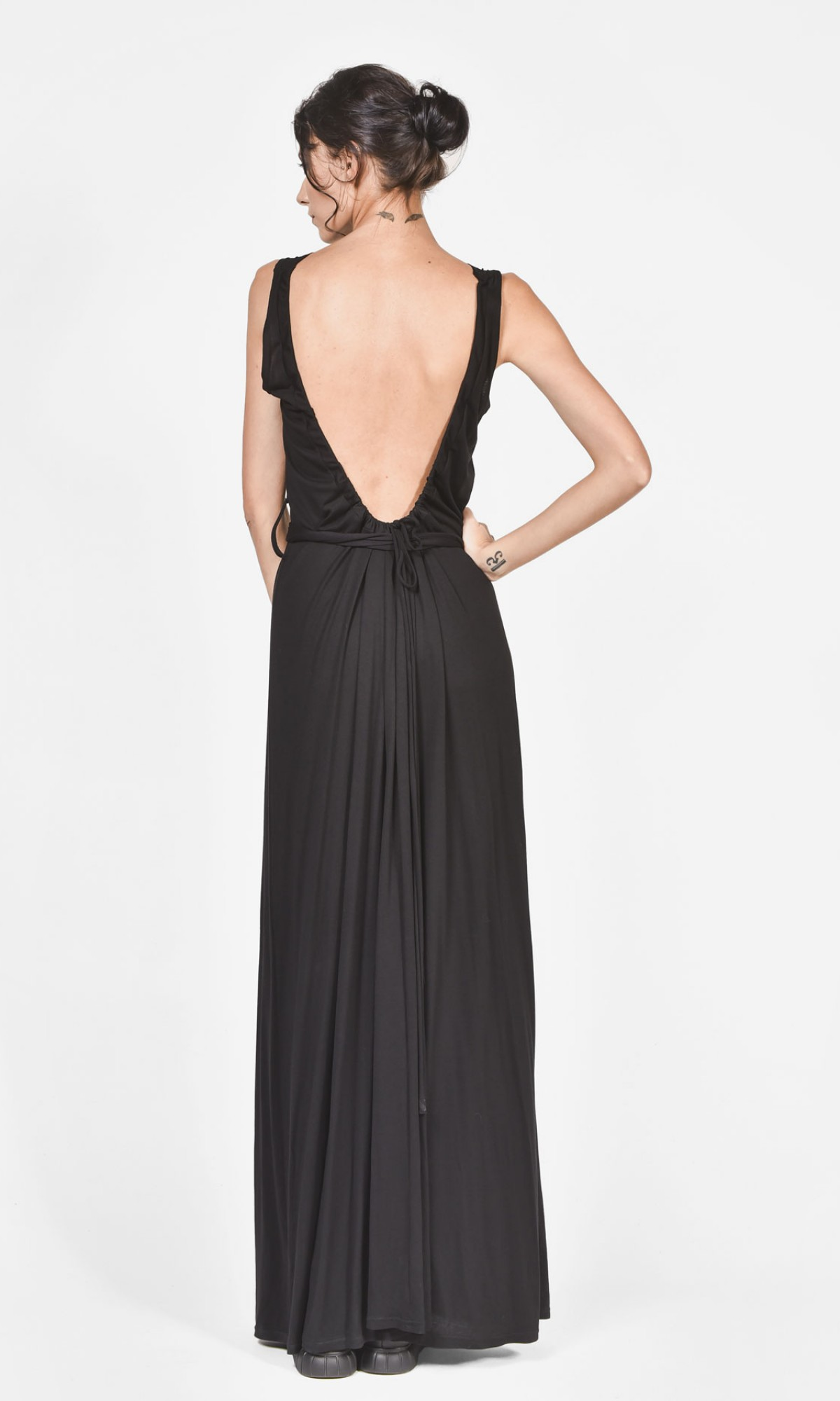 Stunning Bare back dress A90035