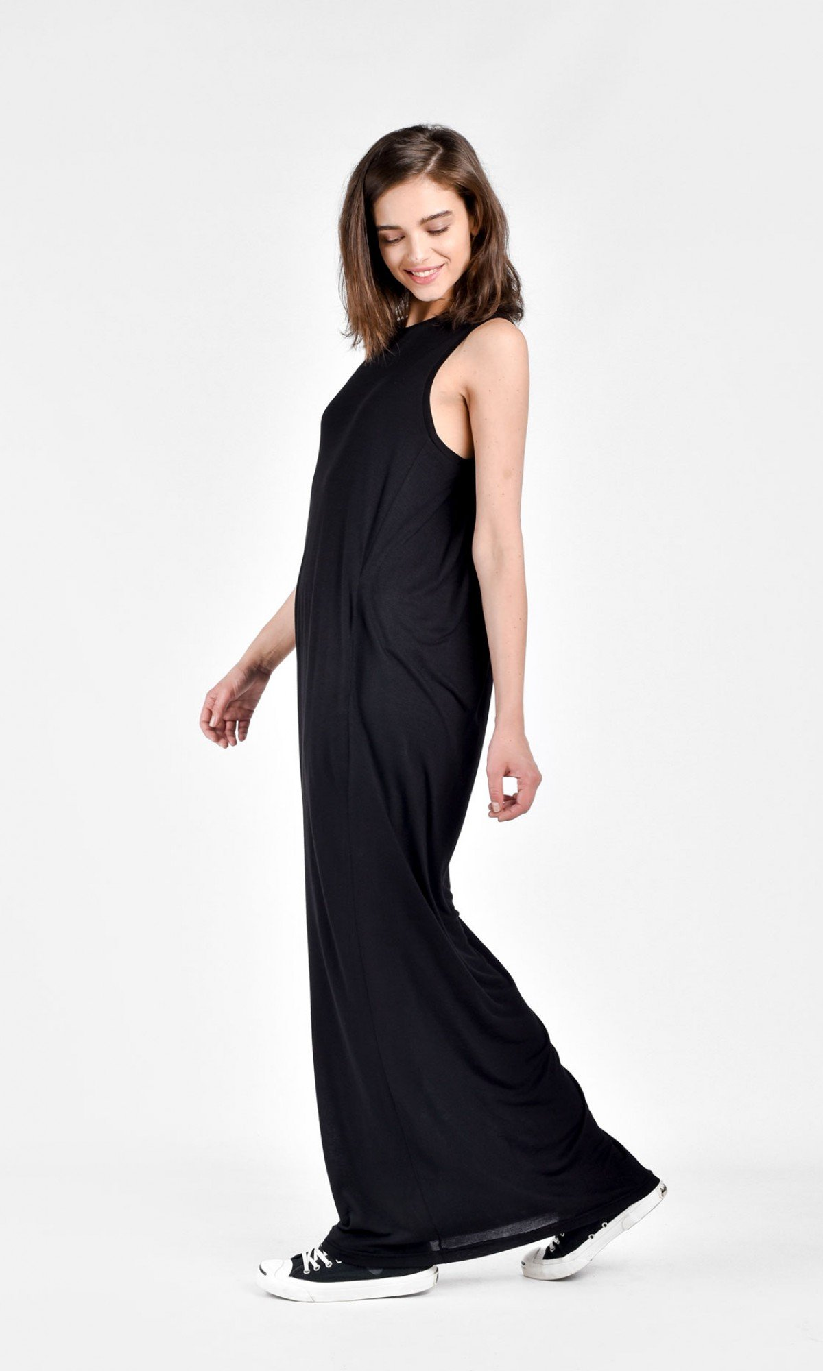 Draped sleeveless caped dress A03692