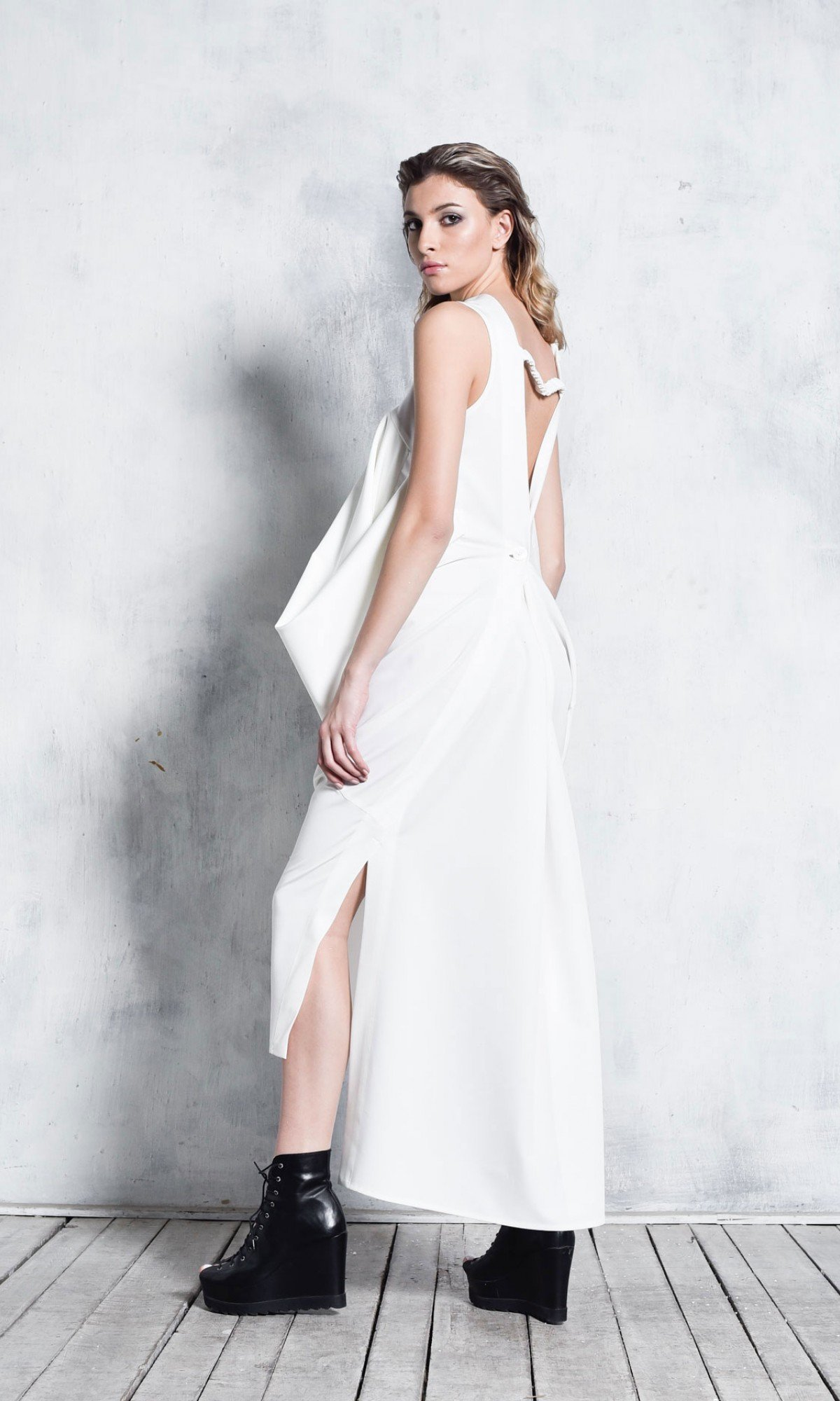 Extravagant Asymmetric Sleeveless Dress A03768