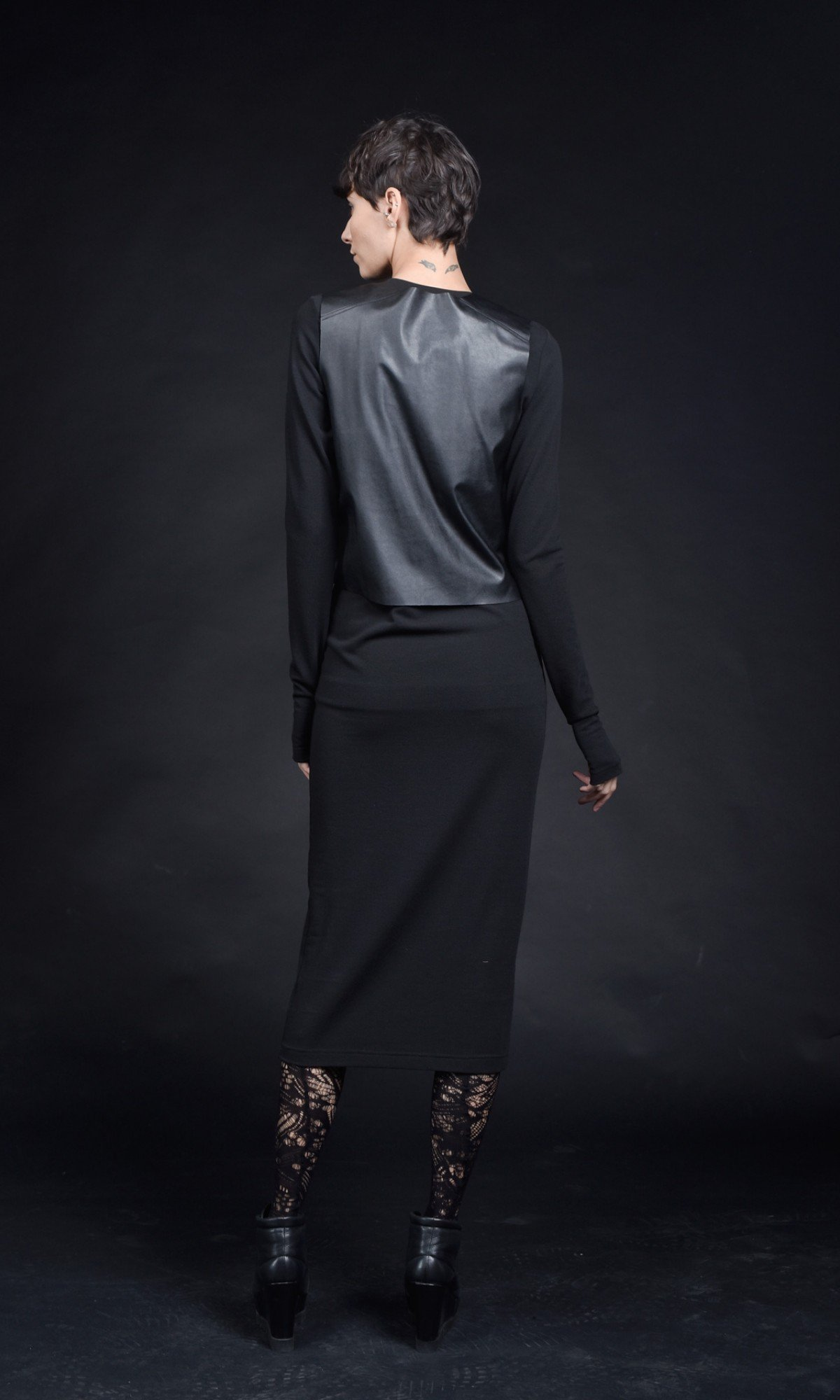 Elegant bodycon cotton dress with leather elements A90399