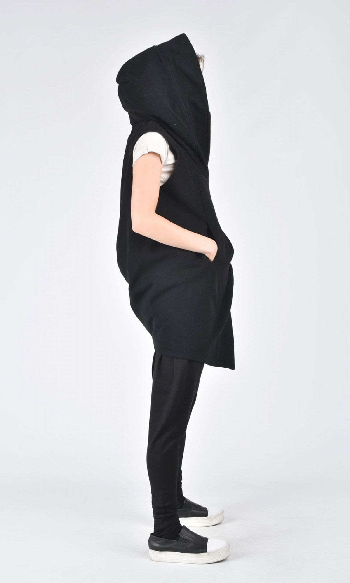 Asymmetric Black Hooded Sleeveless Coat A07197
