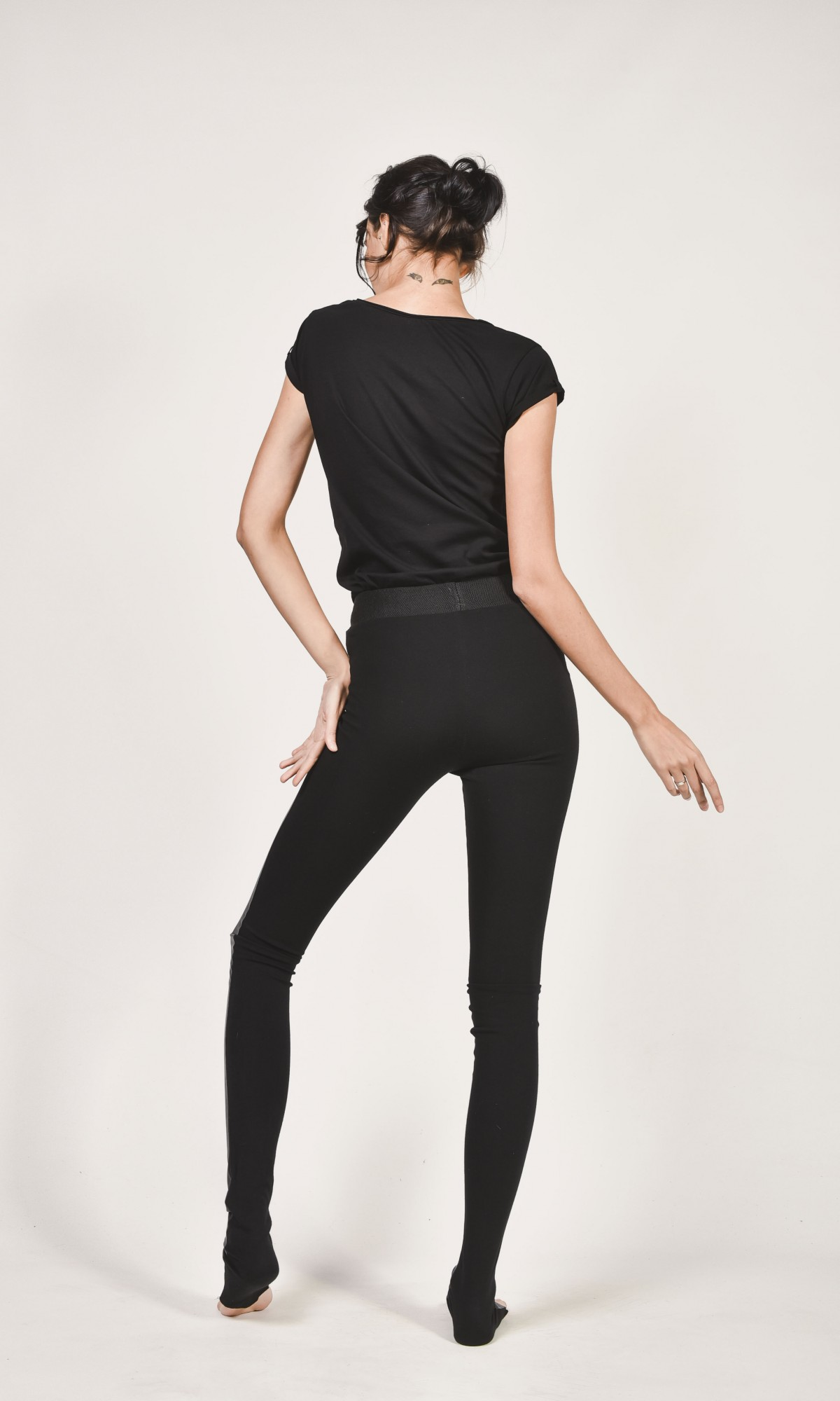 2118675f63ccb ... Black Faux Leather Front Leggings A05139 ...