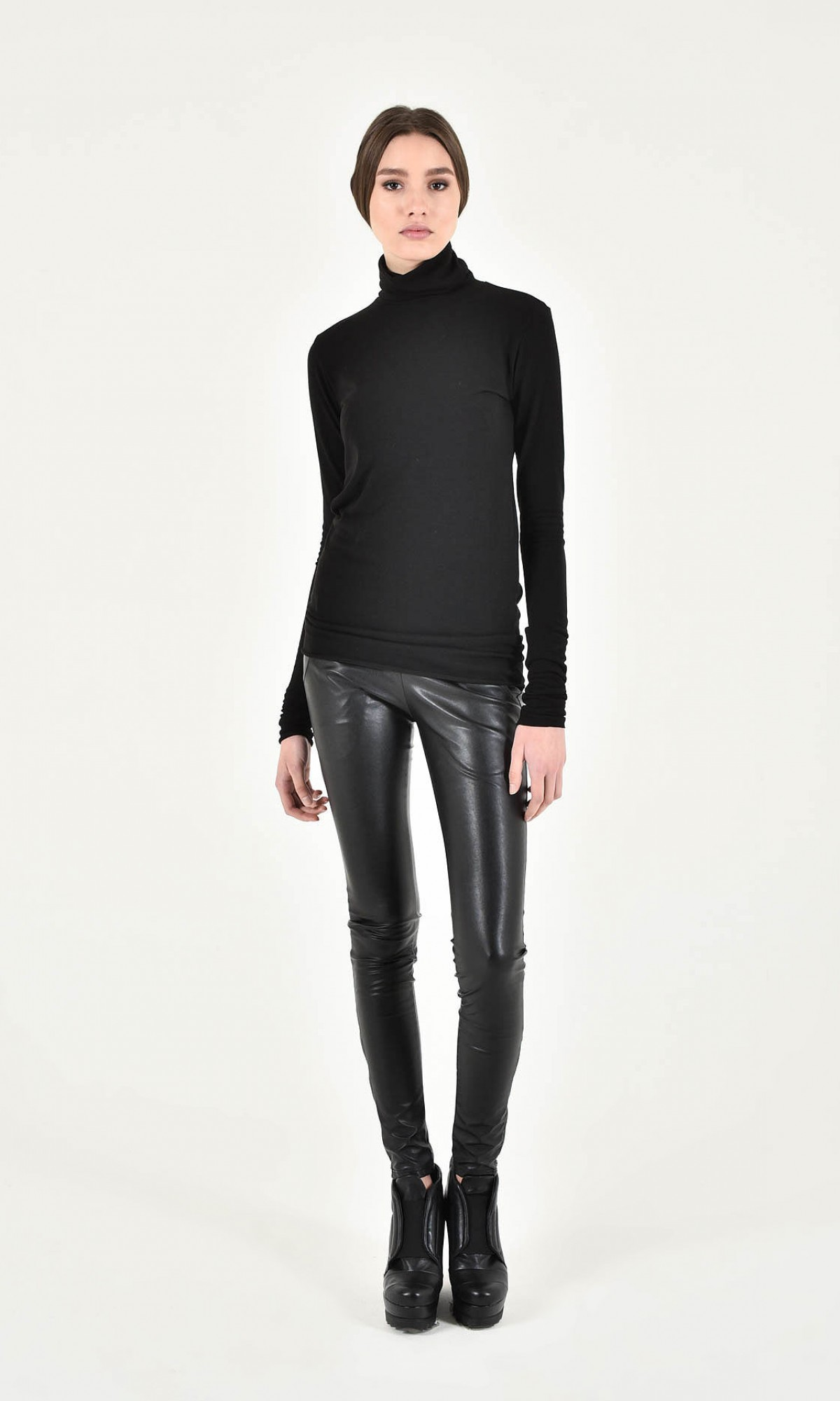 Faux Leather leggings with pockets and zippers