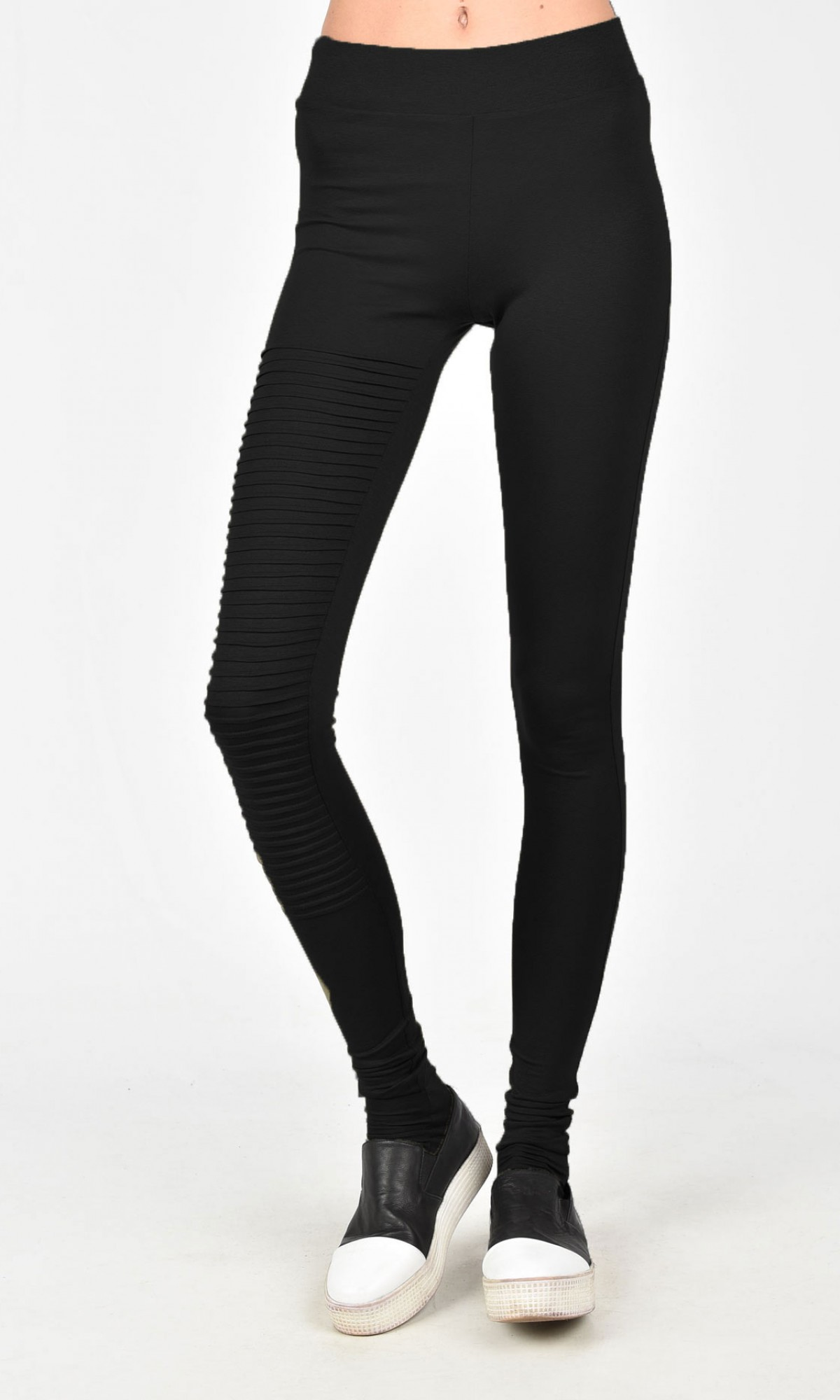 Extra Long Leggings with a Pattern A05539