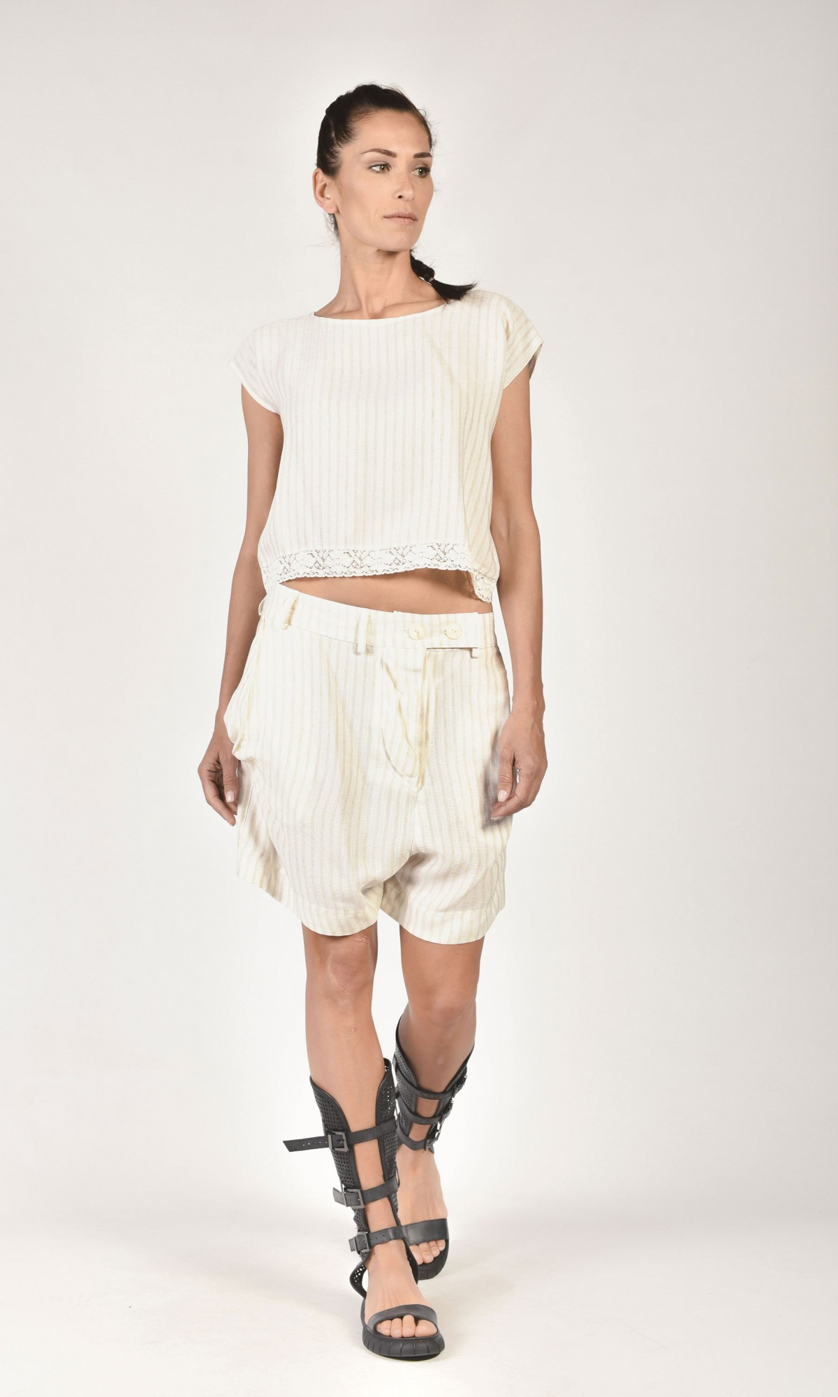 Off-white Drop Crotch Shorts A05421