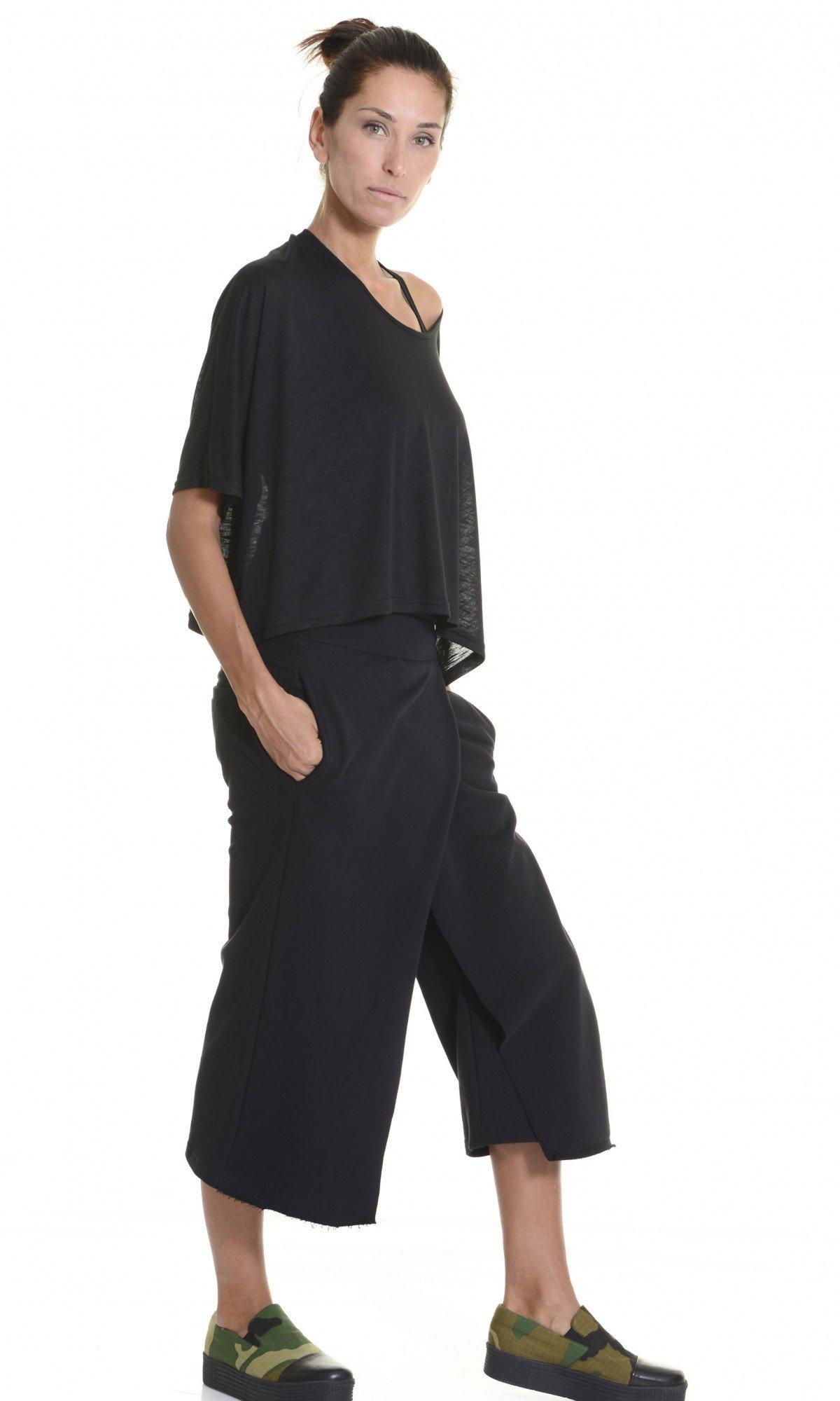 Loose Cotton Black Skirt like Pants A05320