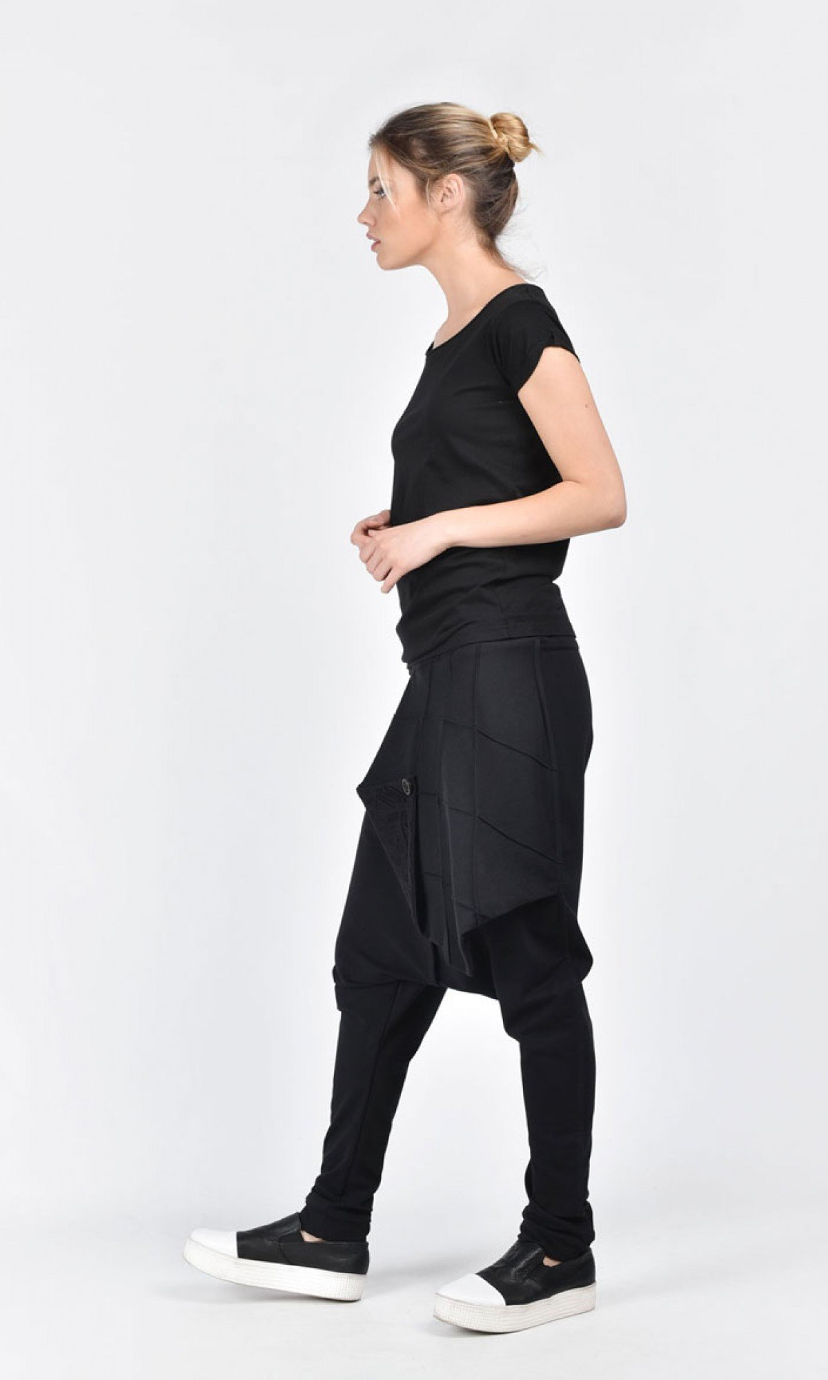 Extravagant Black Drop Crotch Pants A05488