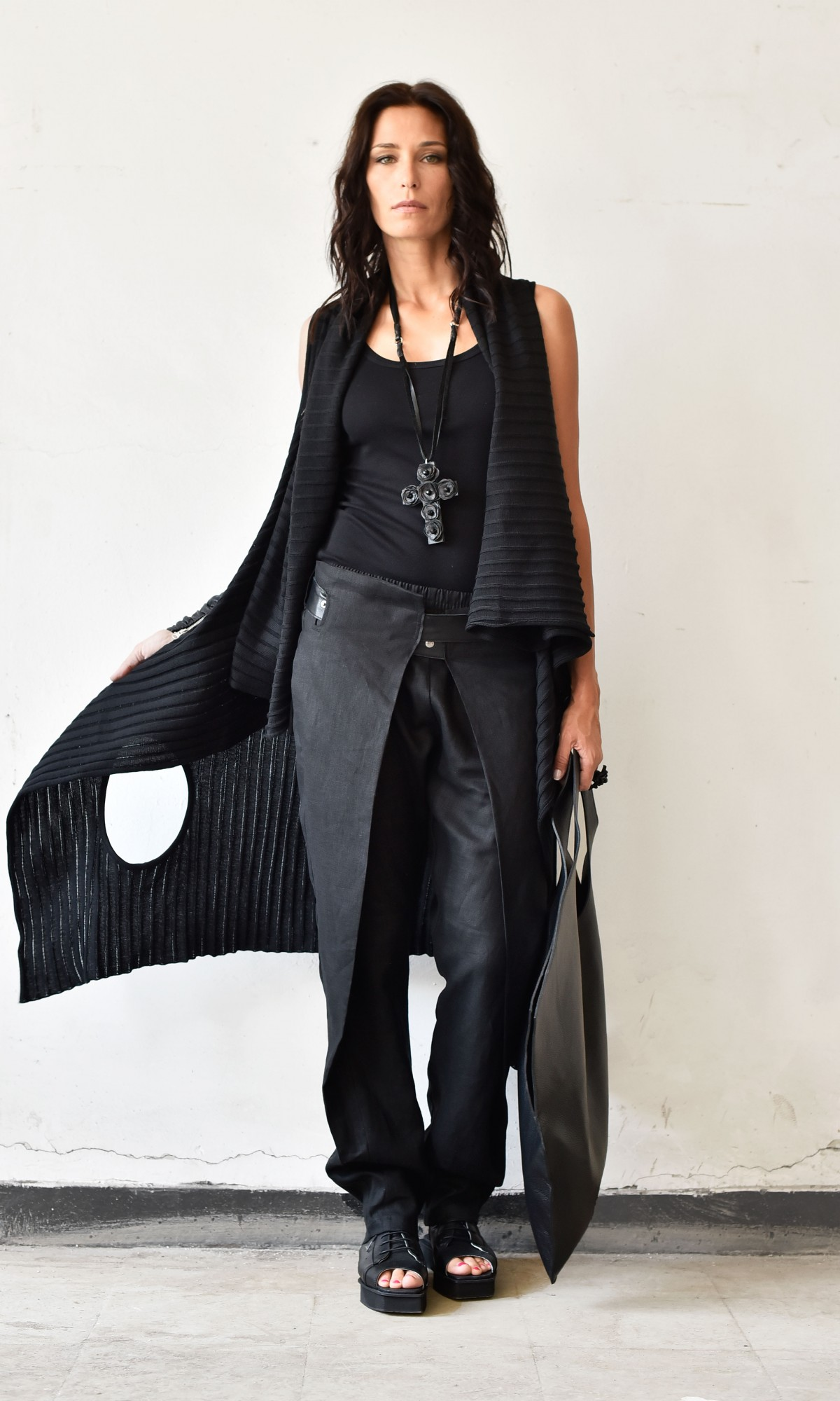 Elegant Linen Pants With Leather Belt