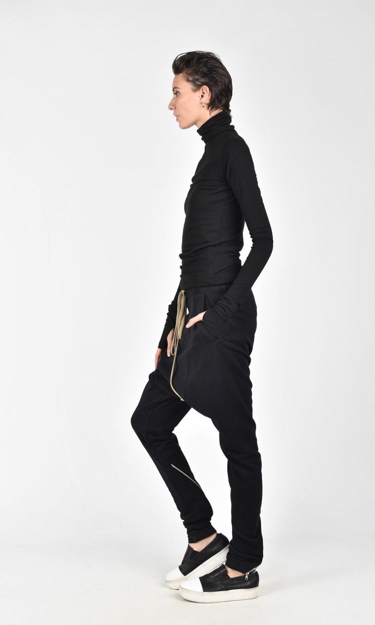 Loose drop crotch zipper pants A05737