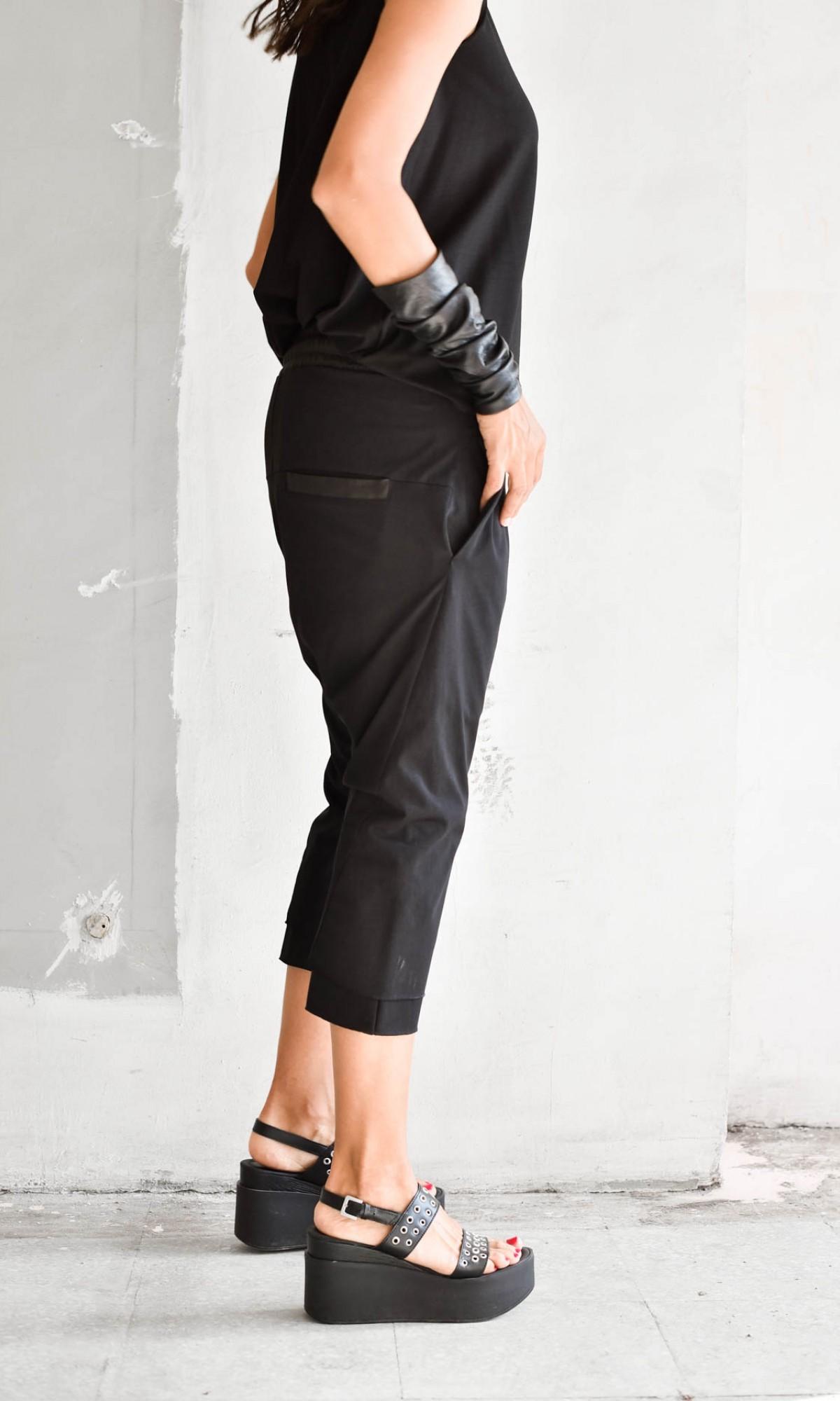 Sporty 7/8 Drop Crotch Pants