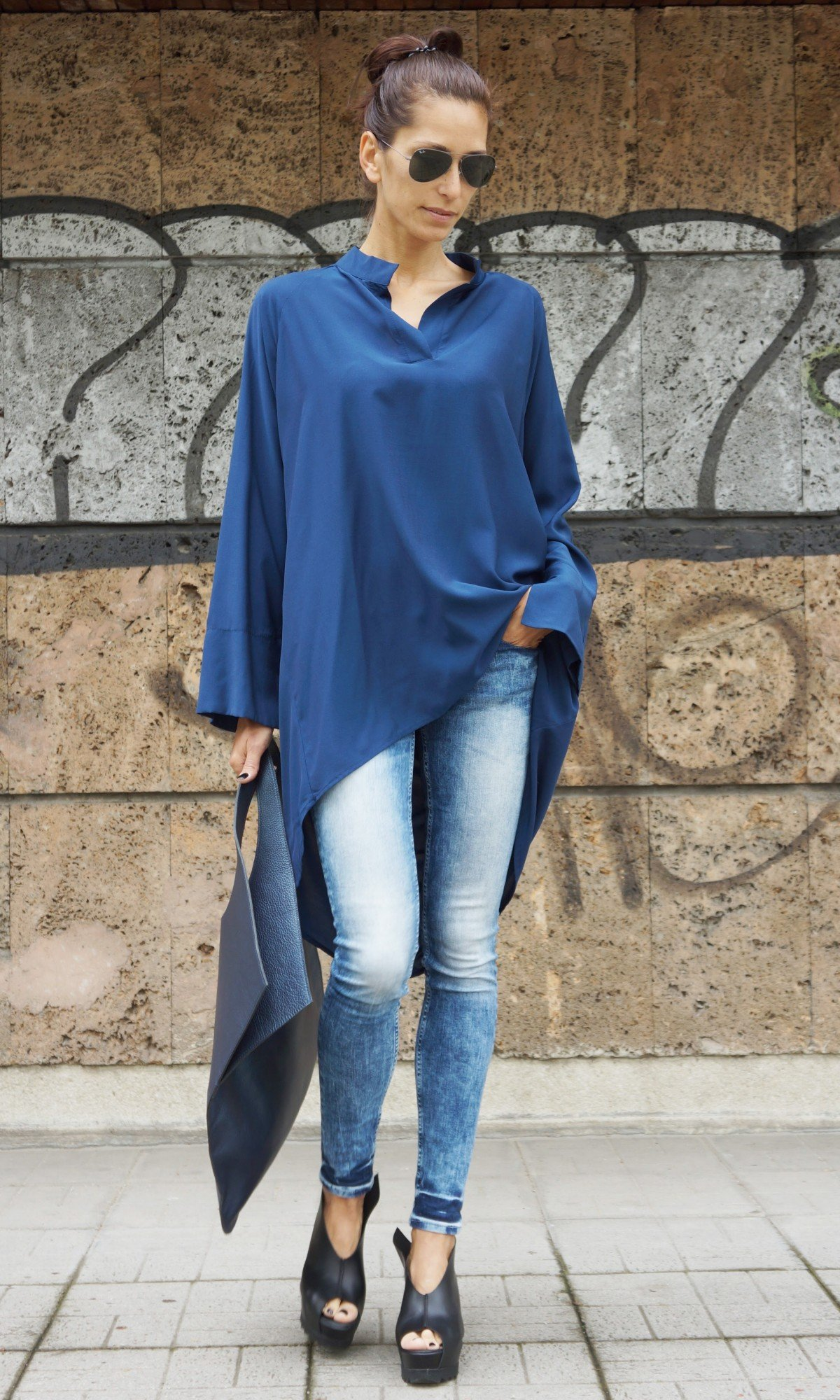 Extravagant V Neck Broad Shirt A11106