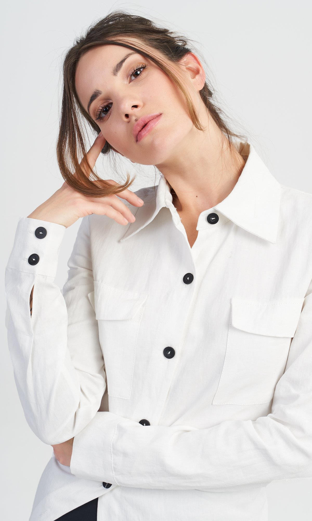 Fitted Shirt with Asymmetric Tail