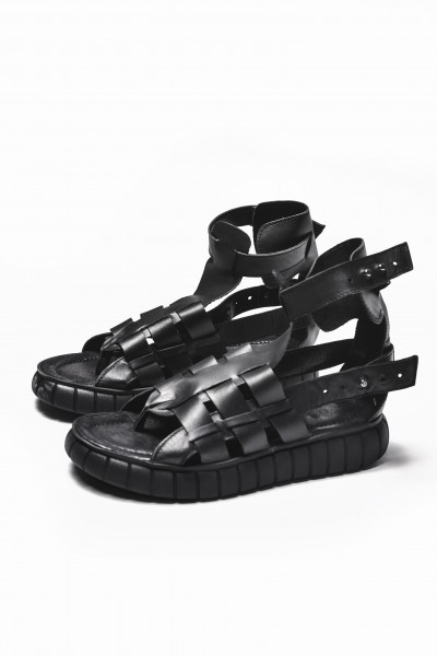 Black Fisherman Sandals A26429
