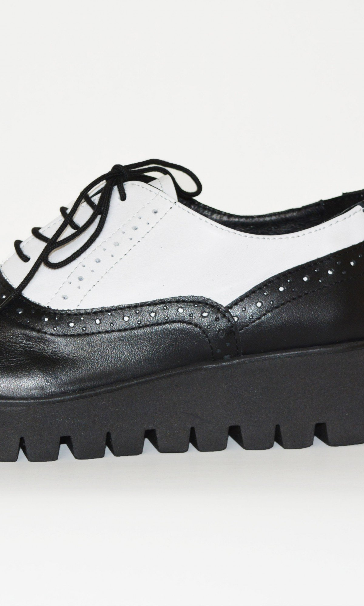 Black and White Oxford Genuine Leather Shoes A15215