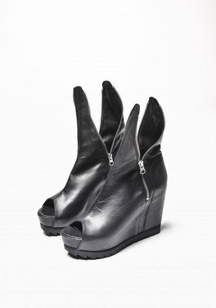 Black Zipper Wedges A15399
