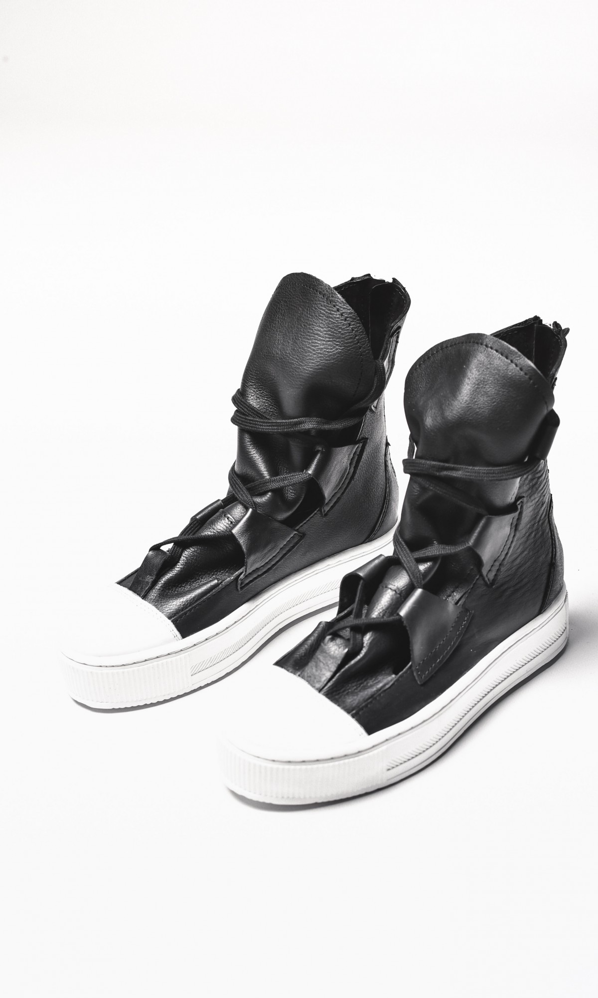 Genuine Leather Elastic Band Sneakers