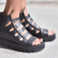 Ankle High Cage Strap Flat Sandals A26747