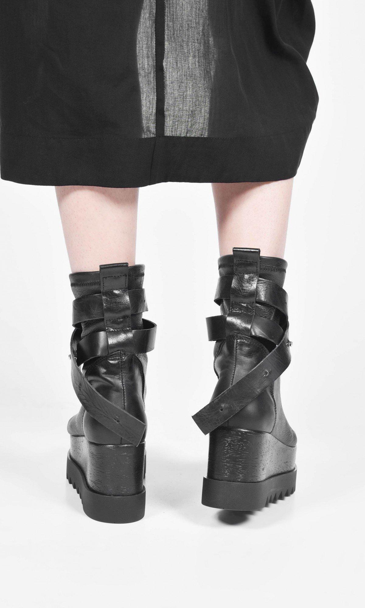 High top leather straps platform sandals A26819
