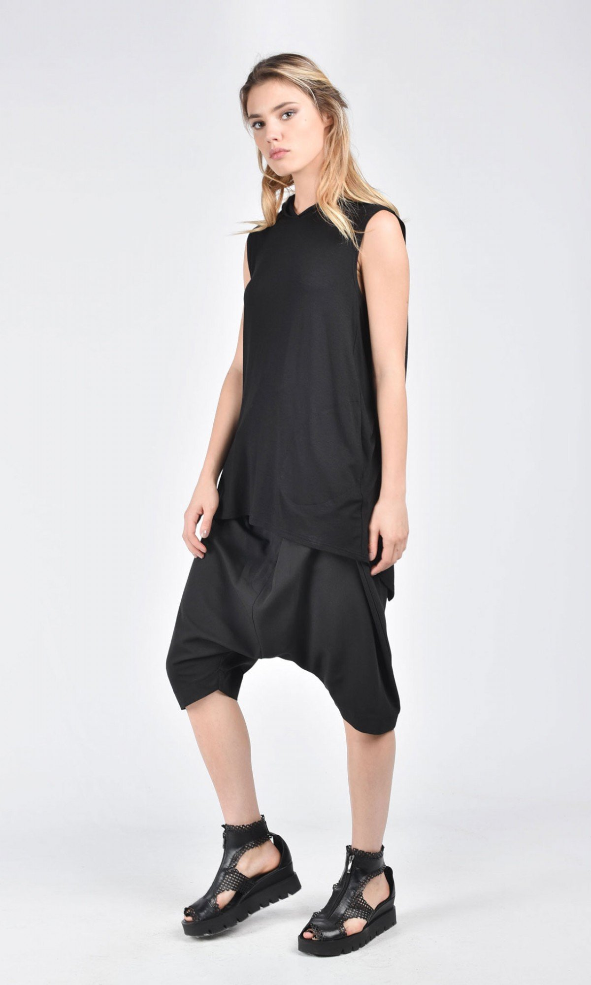 Sleeveless Back Slits Hooded Top A02691