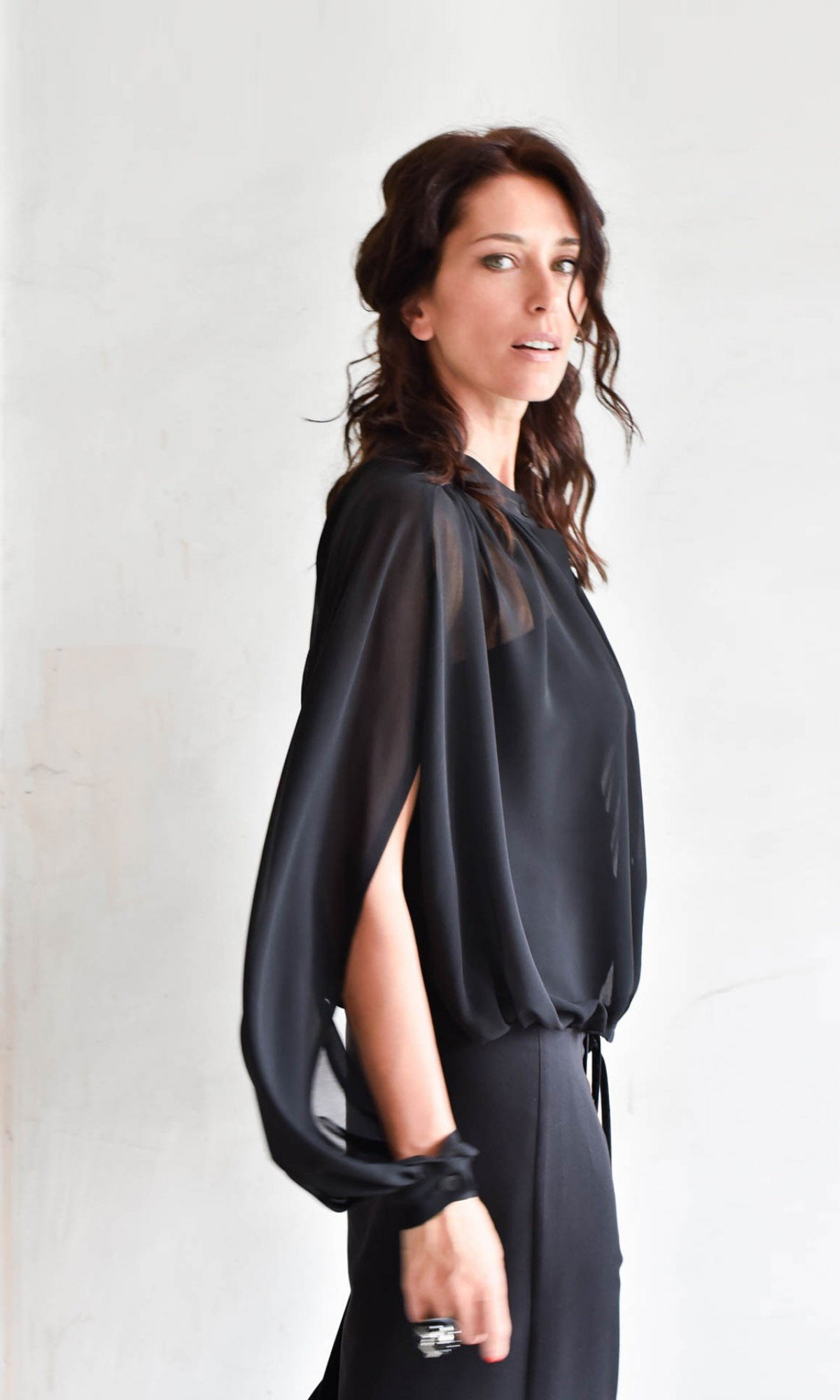 Elegant Open Sleeves Chiffon Shirt A90349